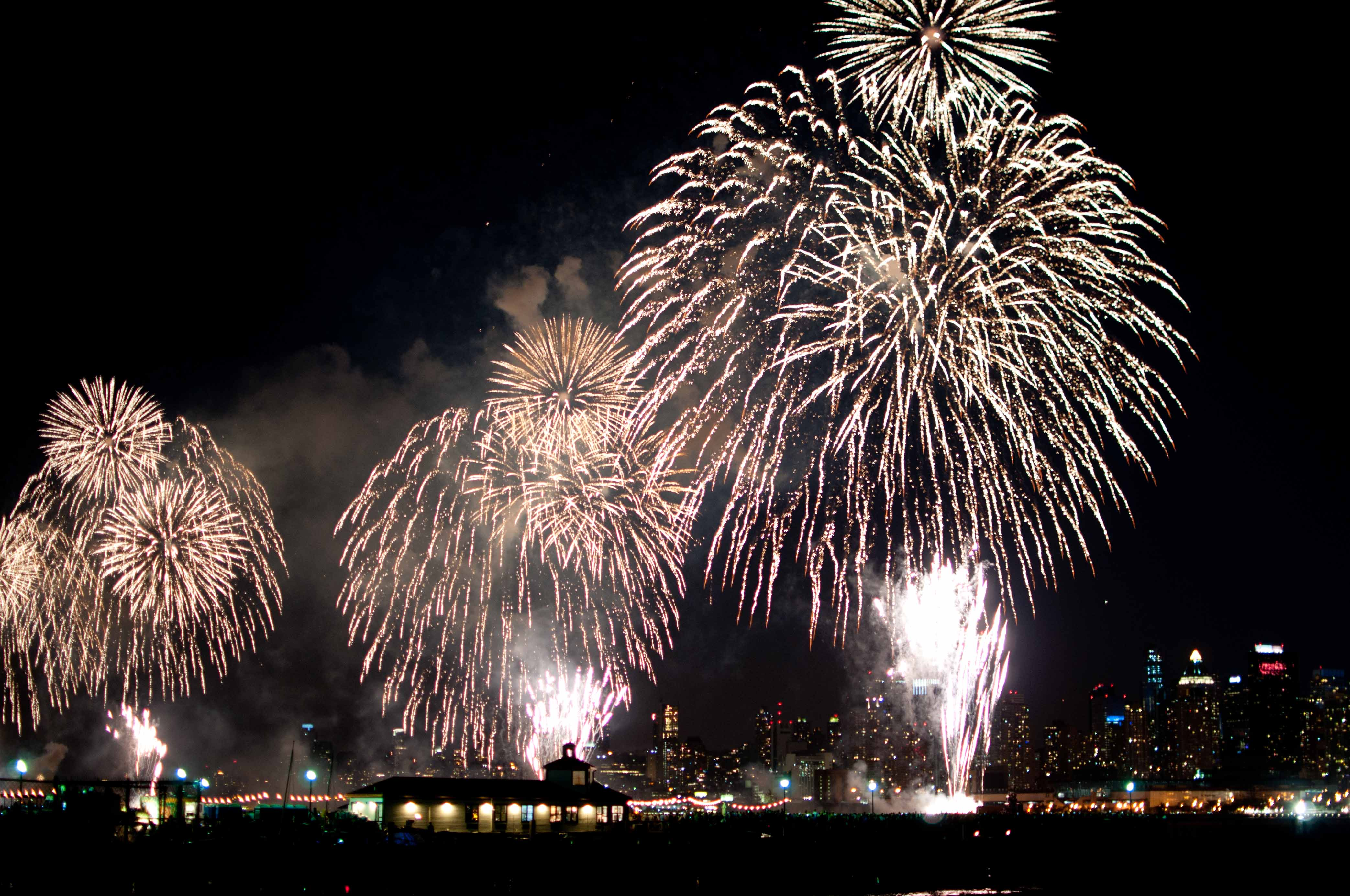 fourth of july patriotic and fireworks over the hudson