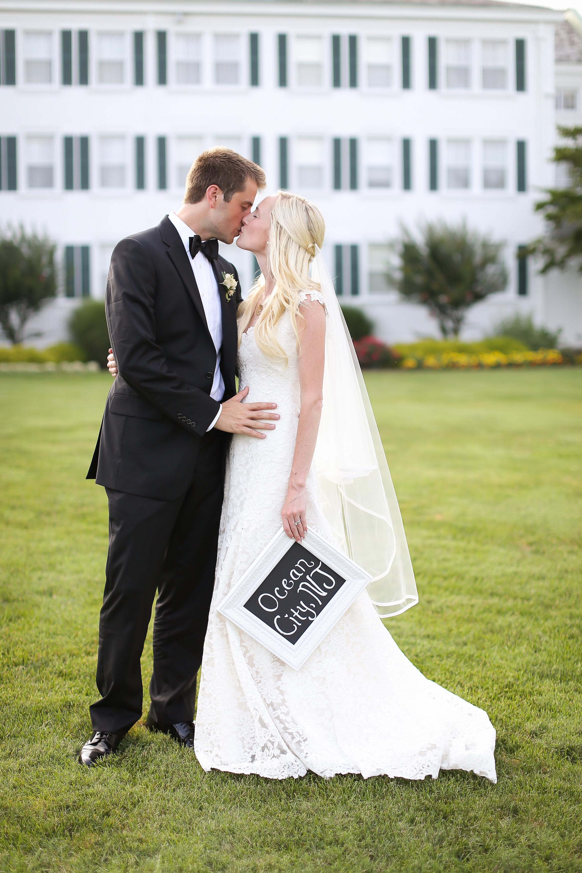 View More: http://hellogorgeousphotography.pass.us/mr-mrs-larkin