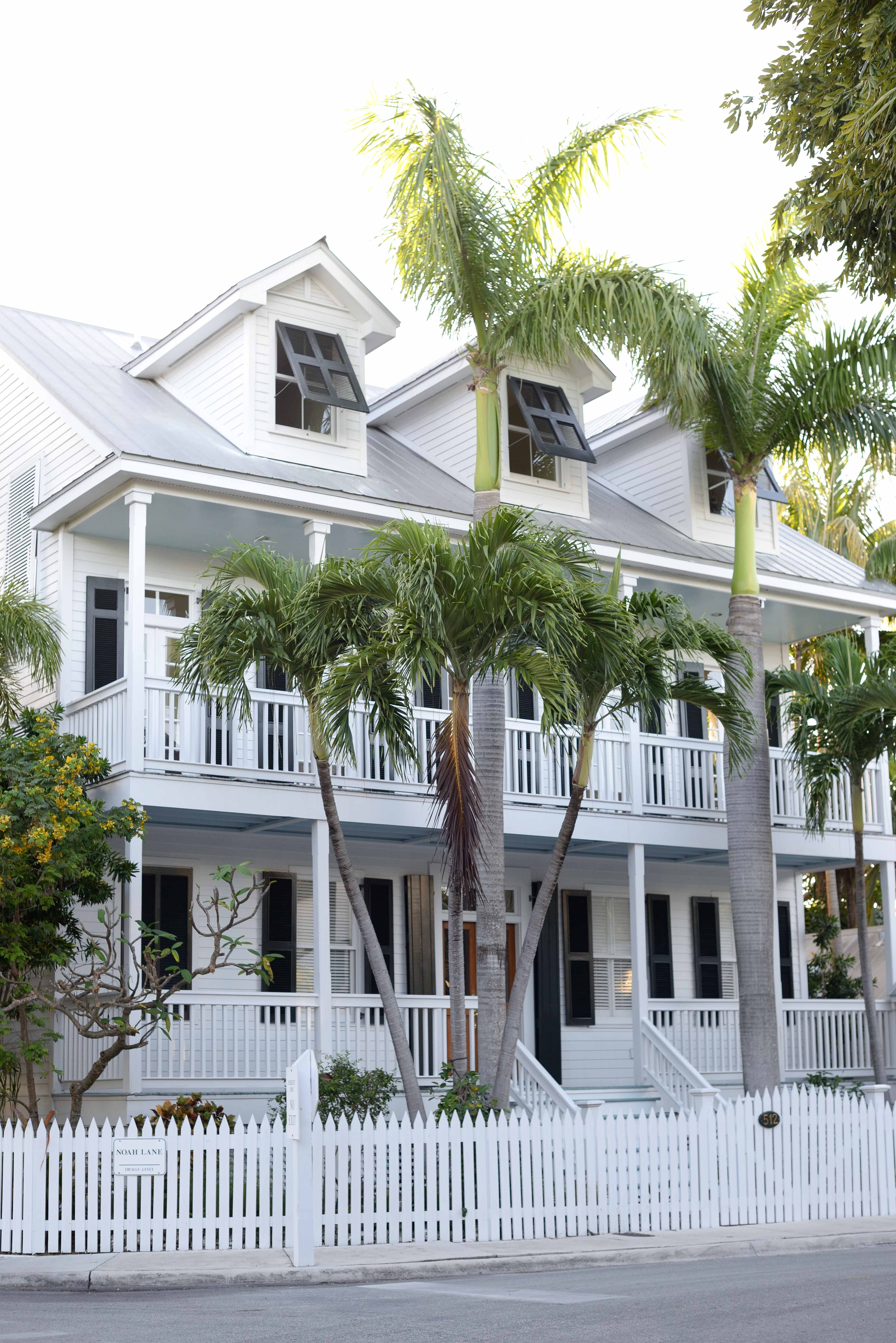 Vineyard vines shirts and stitches shorts and gorgeous for Key west style homes