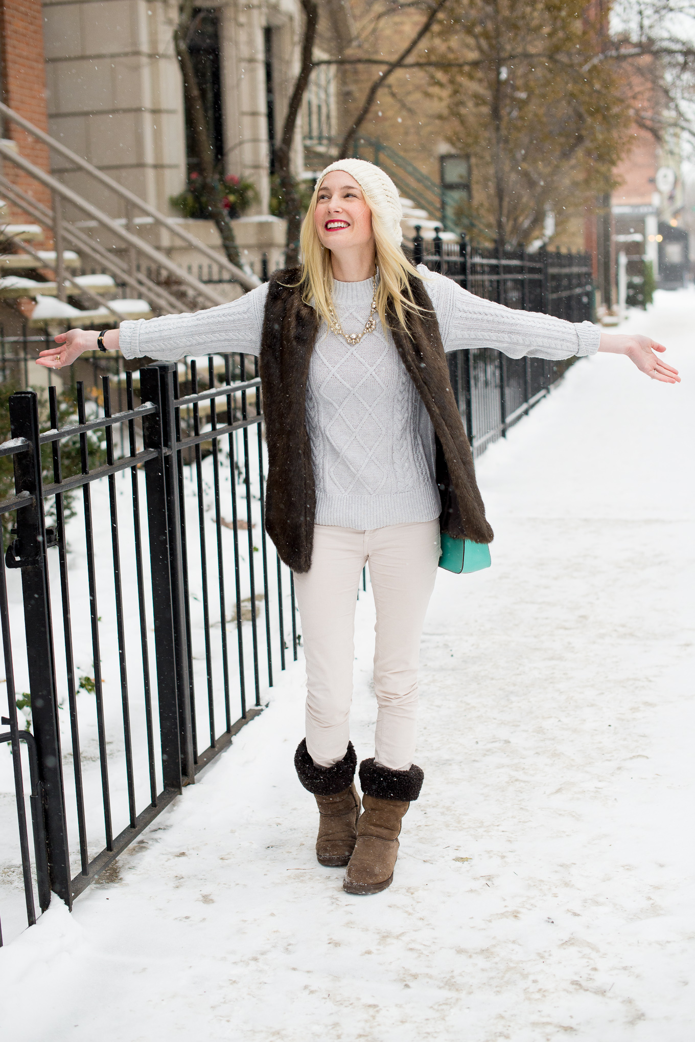 18bf91d9659b50 How to Take Fashion Blog Photos in Winter