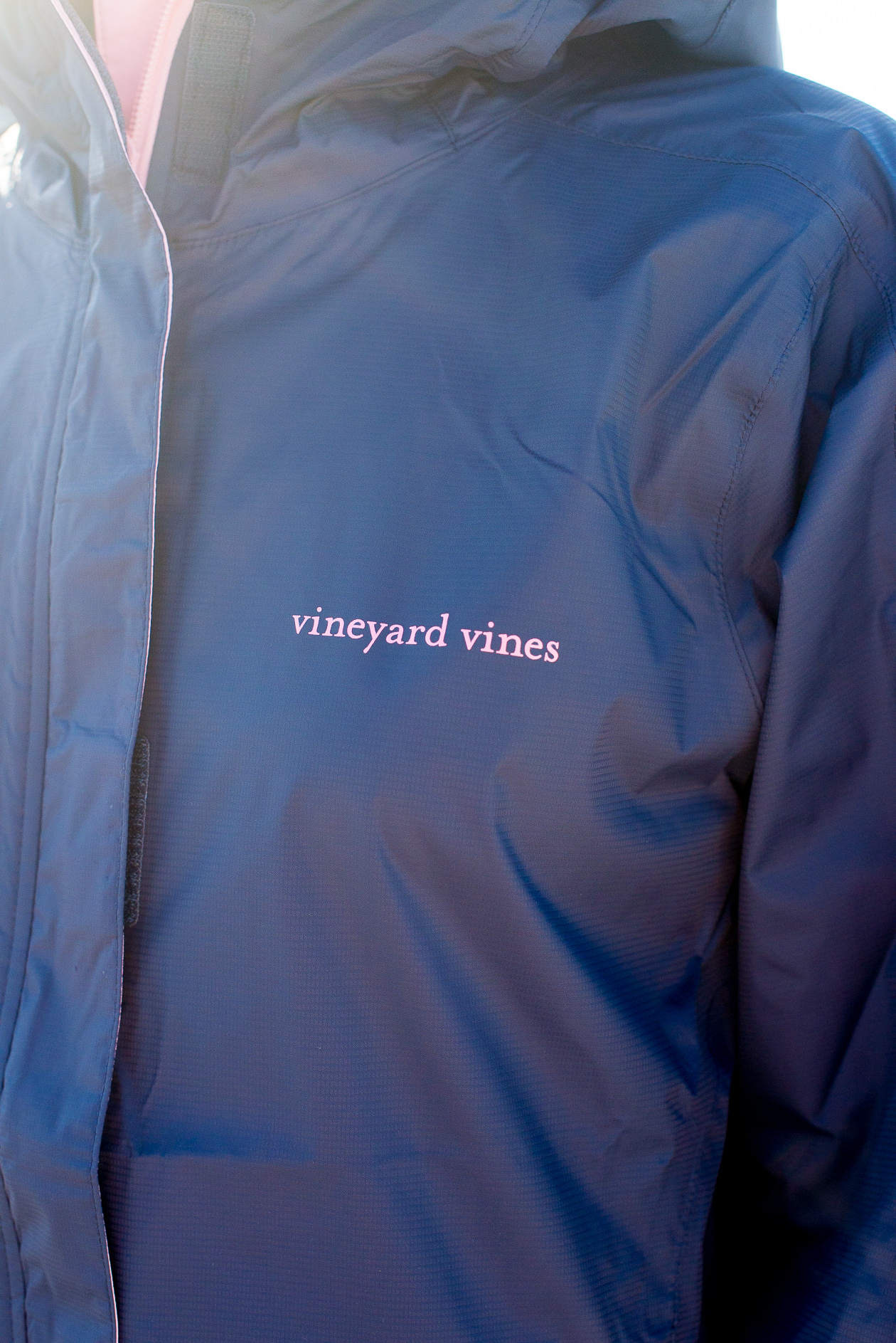 Vineyard Vines Stow & Go Rain Coat-19