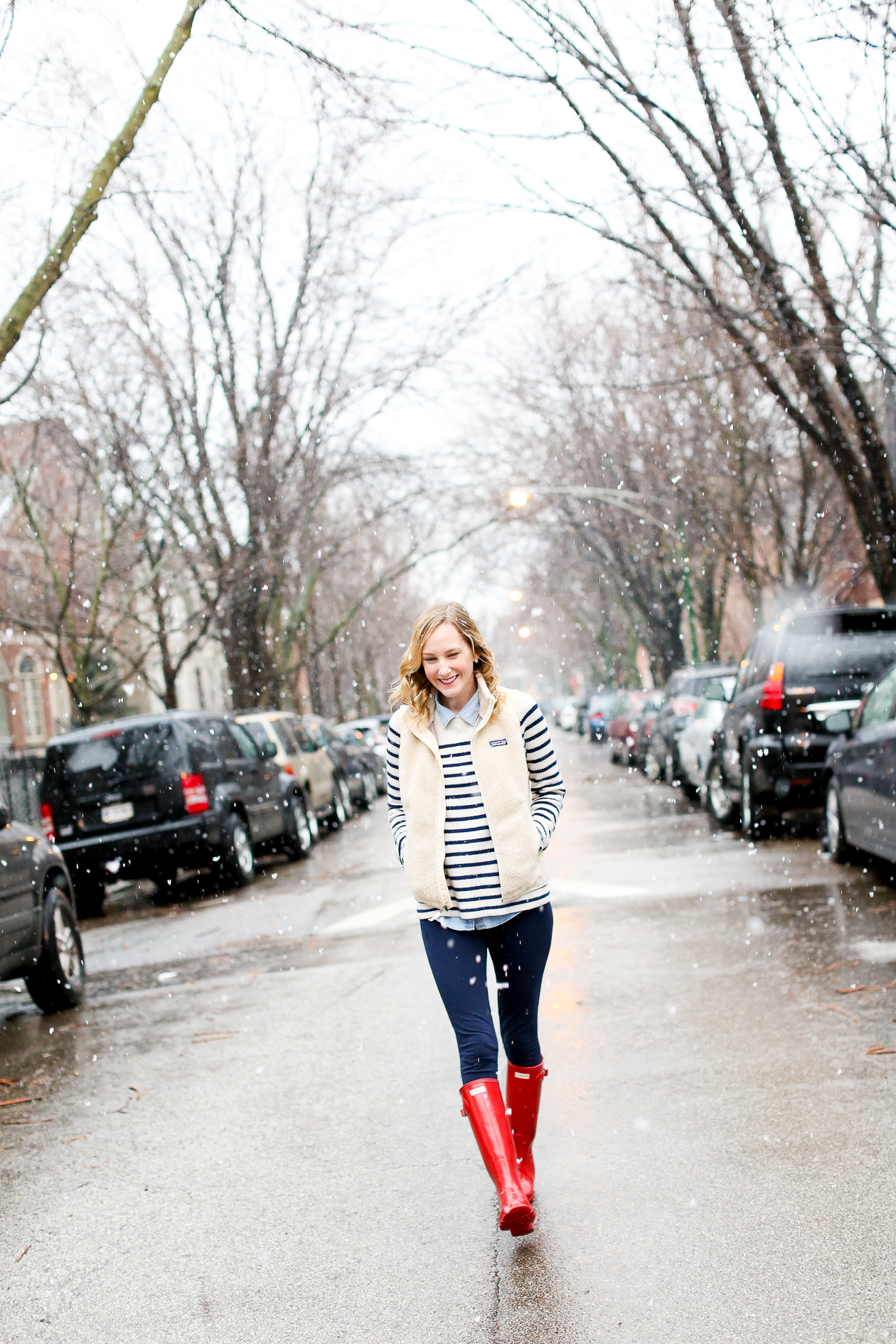 red glossy hunter boots chicago blogger-27