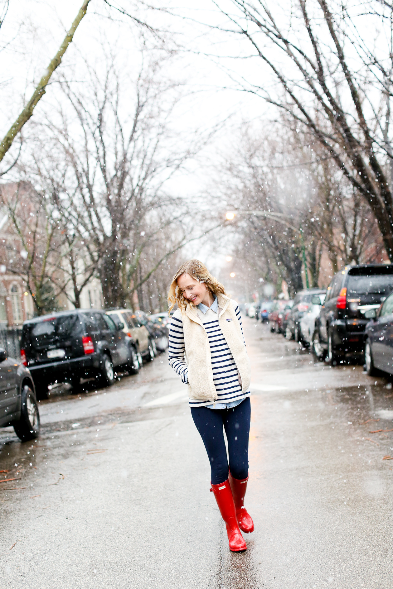 red glossy hunter boots chicago blogger-28