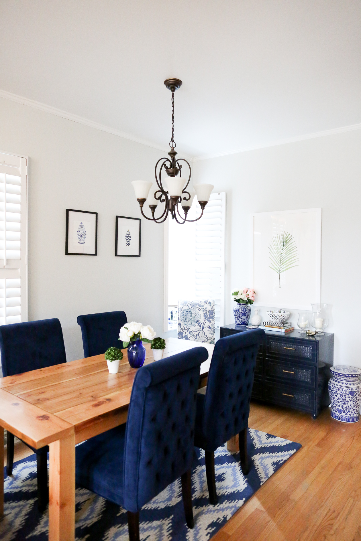 preppy dining room navy-6
