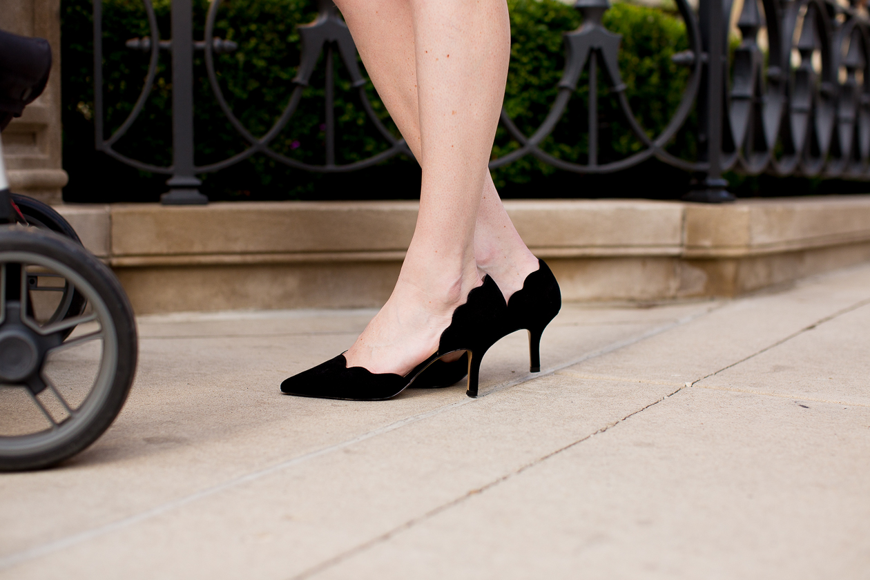 Black Scalloped Pumps-24