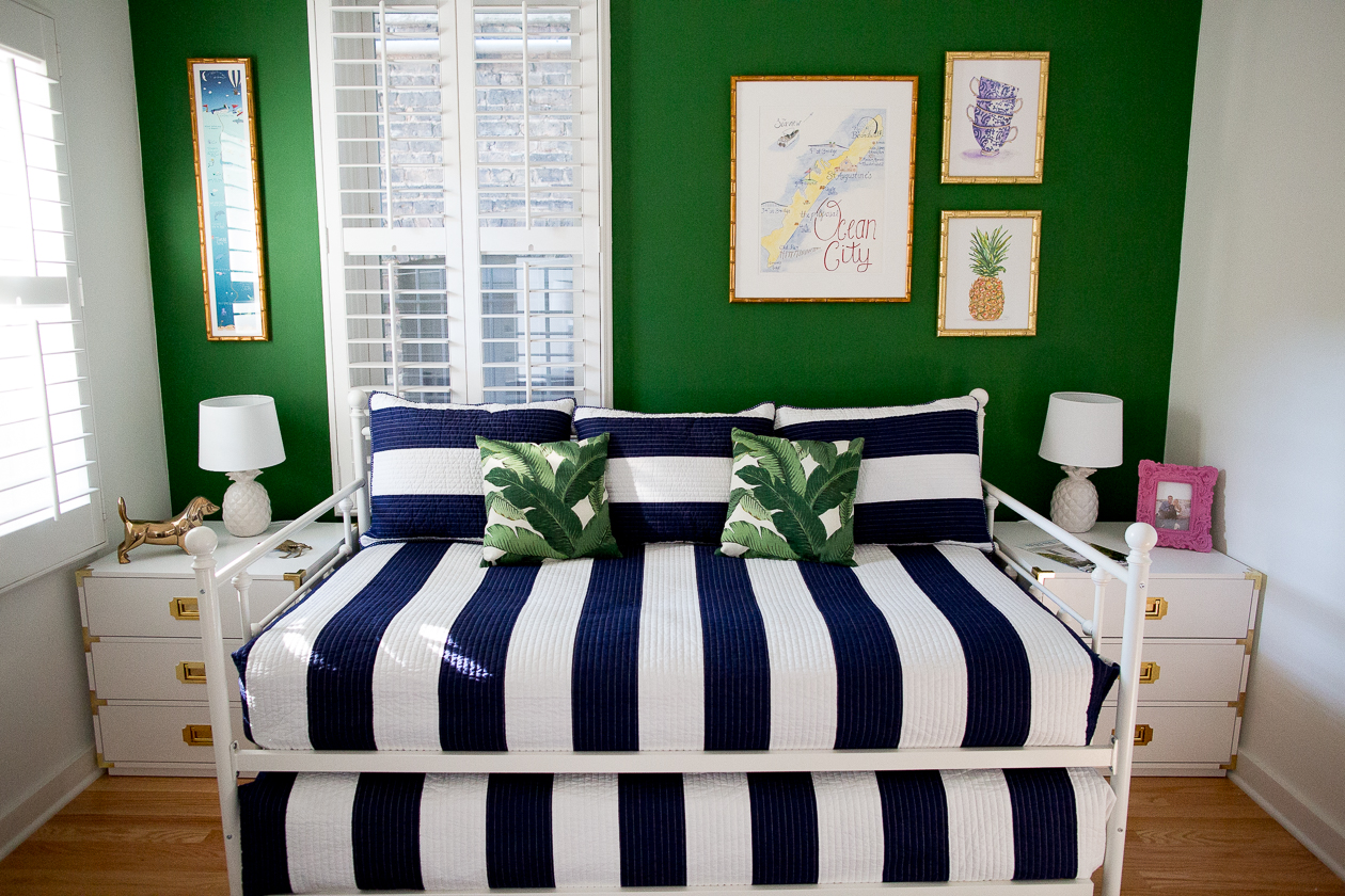 preppy-green-walls-gold-frames-520