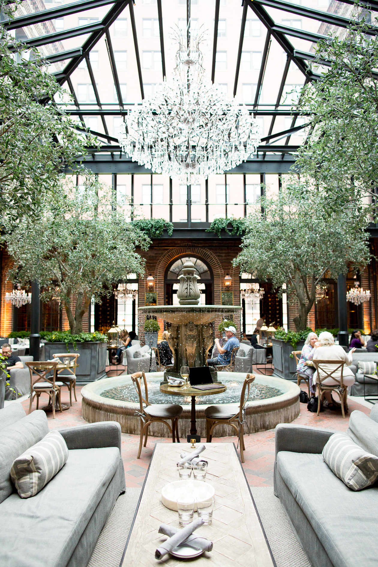 restoration-hardware-gold-coast-chicago-dearborn-29