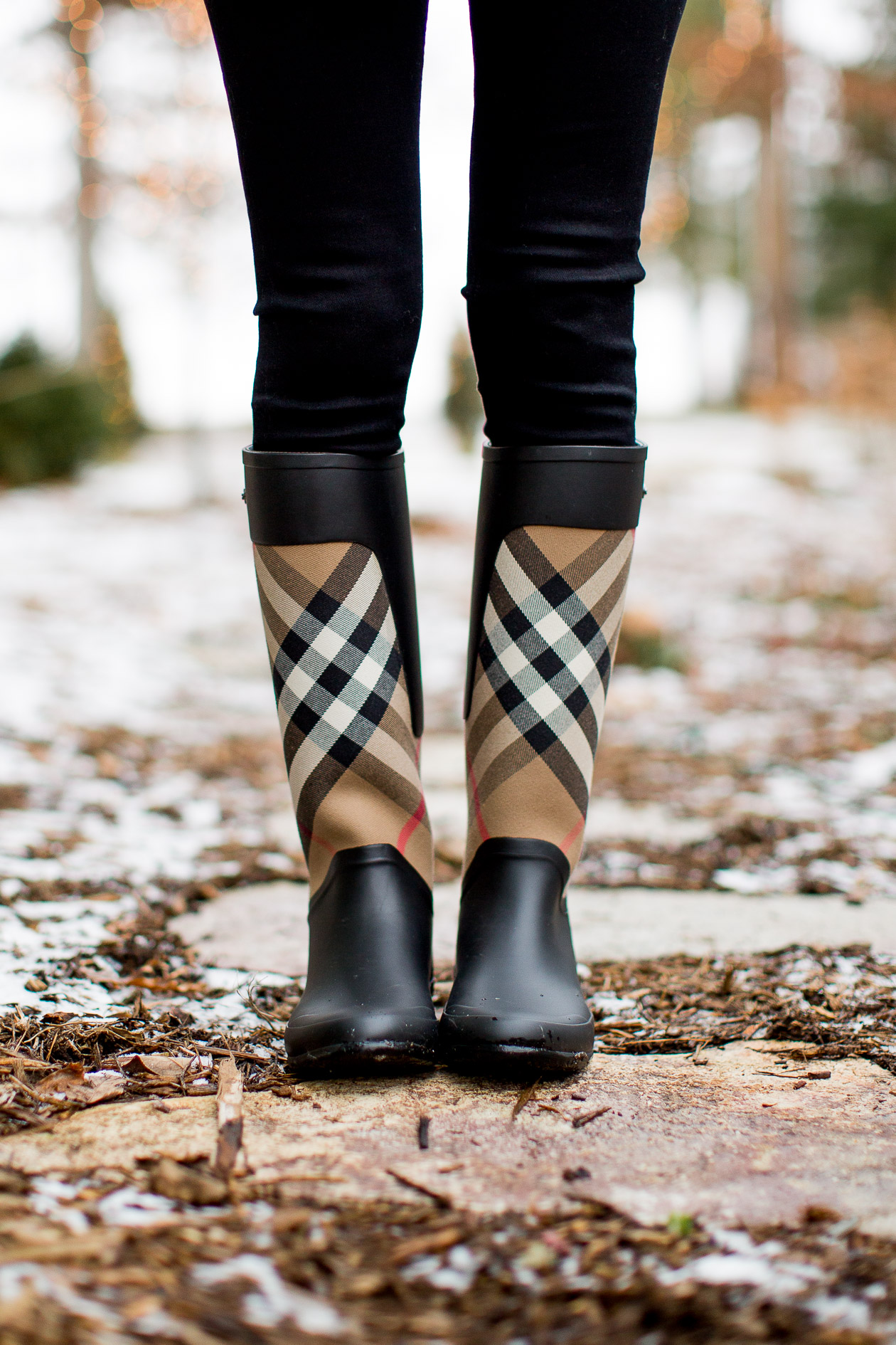 burberry-clemence-rain-boot-62