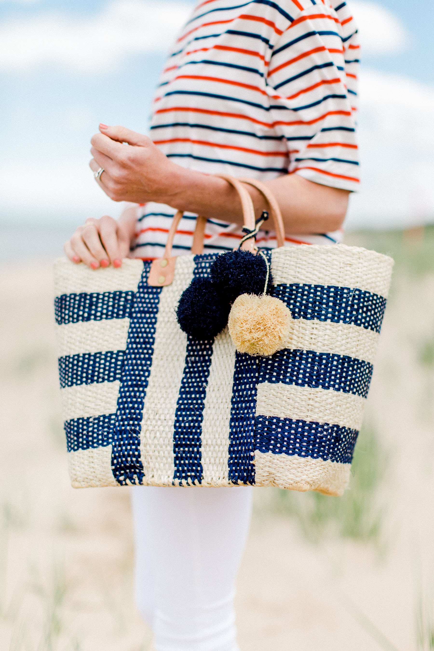 Capri' Woven Tote with Pom Charms MAR Y SOL
