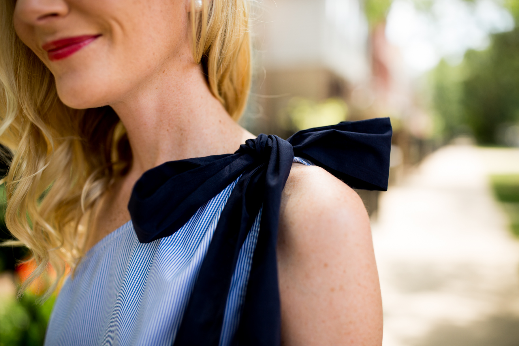 Scalloped Bow Top