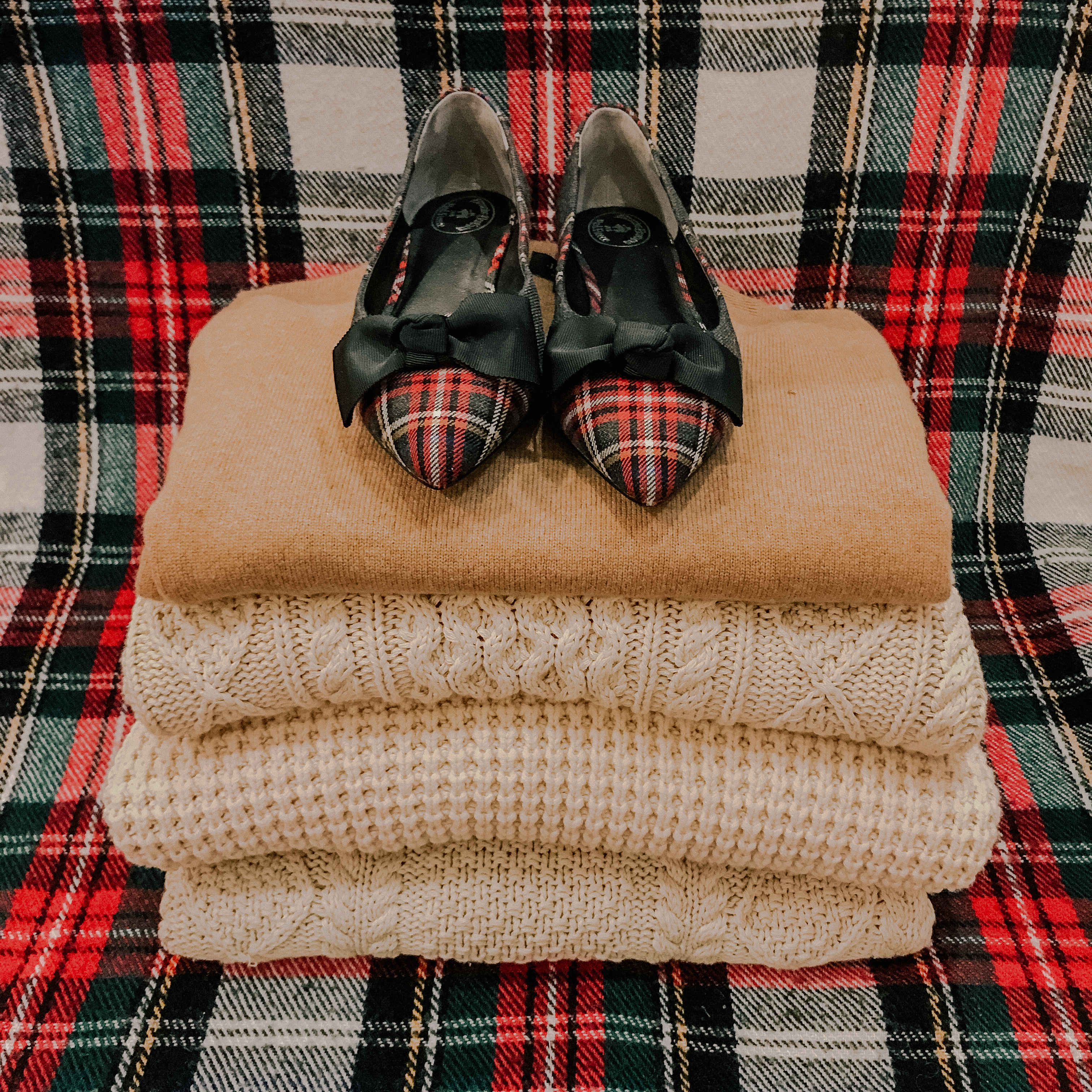 recent finds: plaid pointed toe flats with bows and cozy sweaters