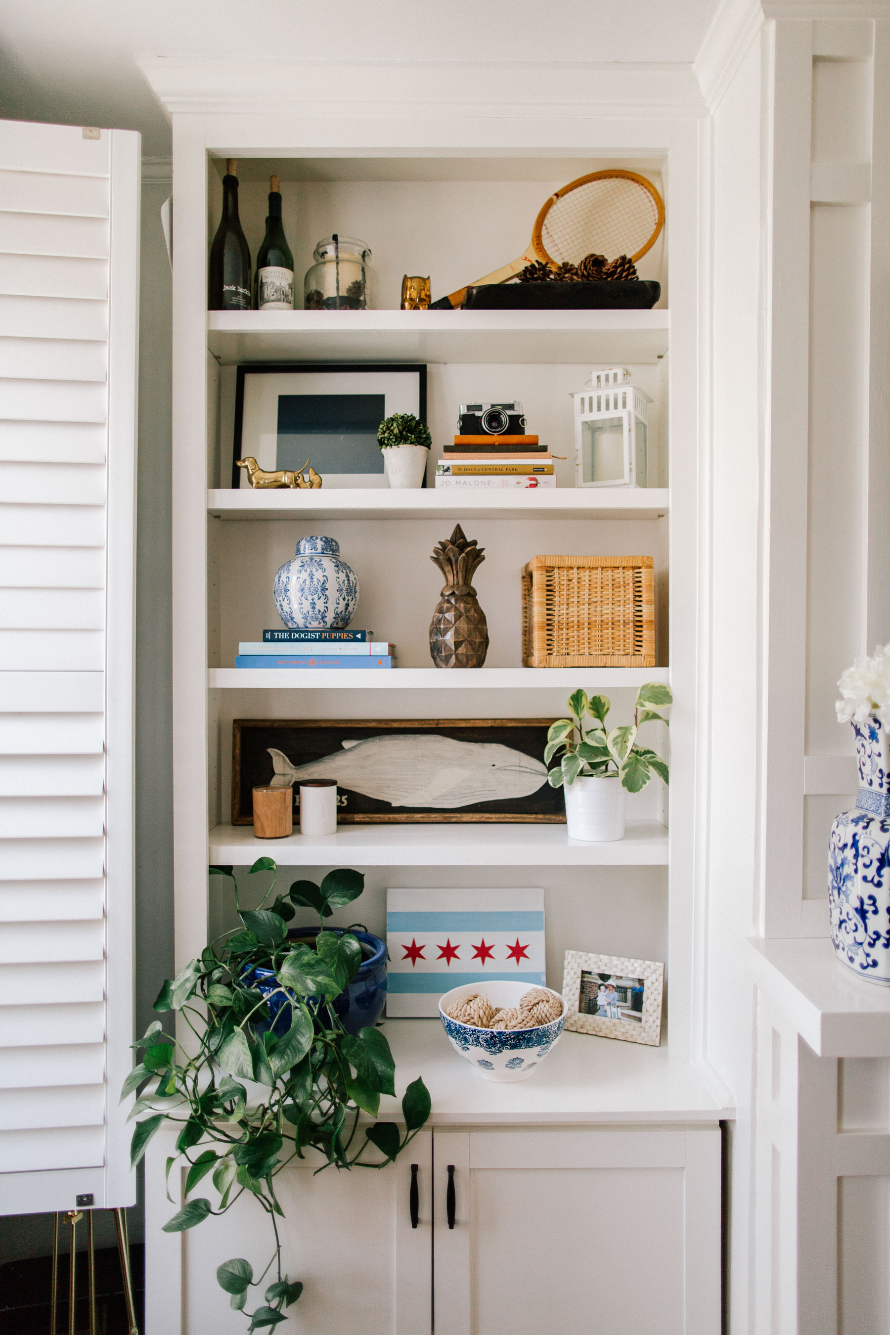 How to Decorate Preppy Bookshelves - Kelly in the City