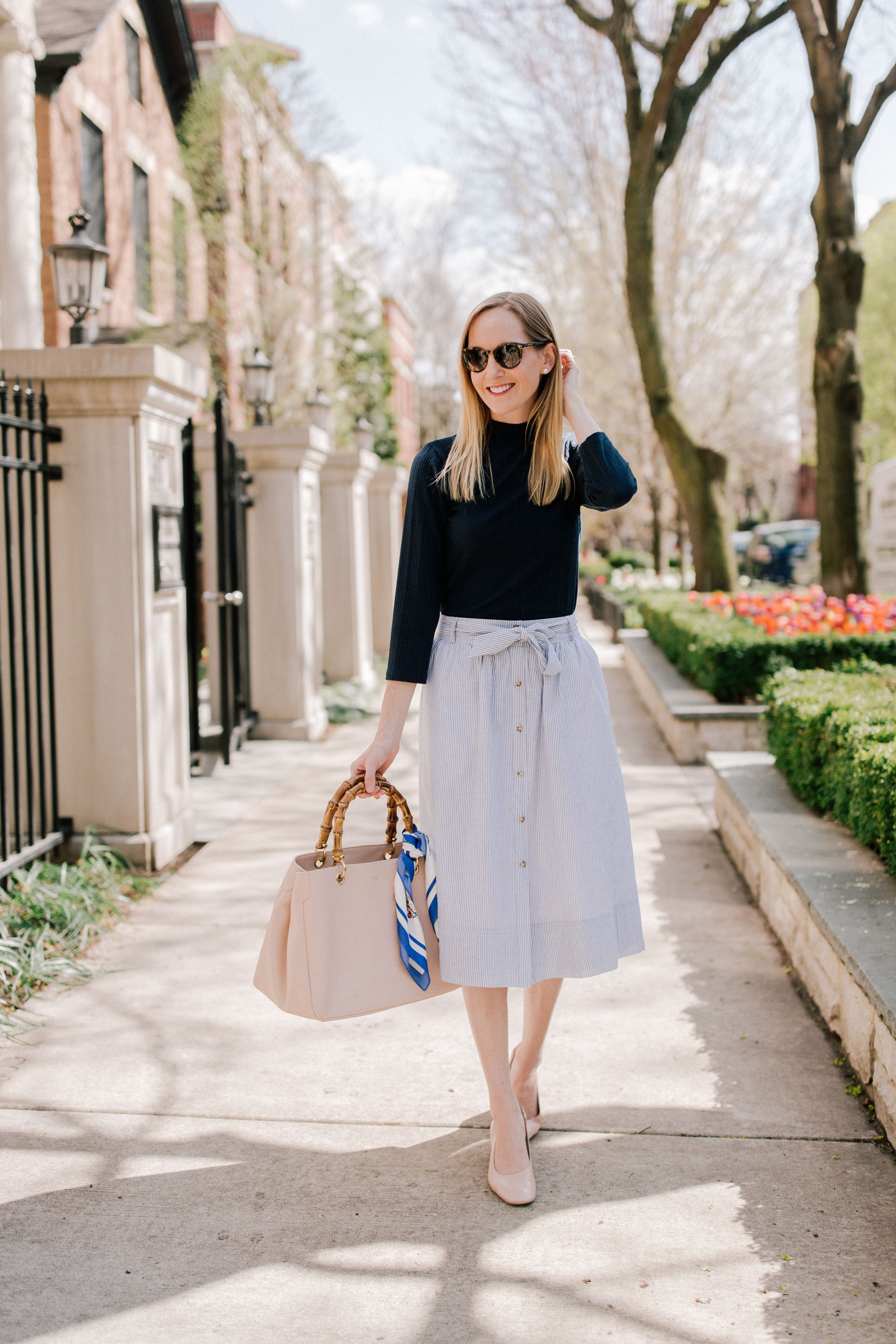 Preppy Spring Outfit: Kelly in the City
