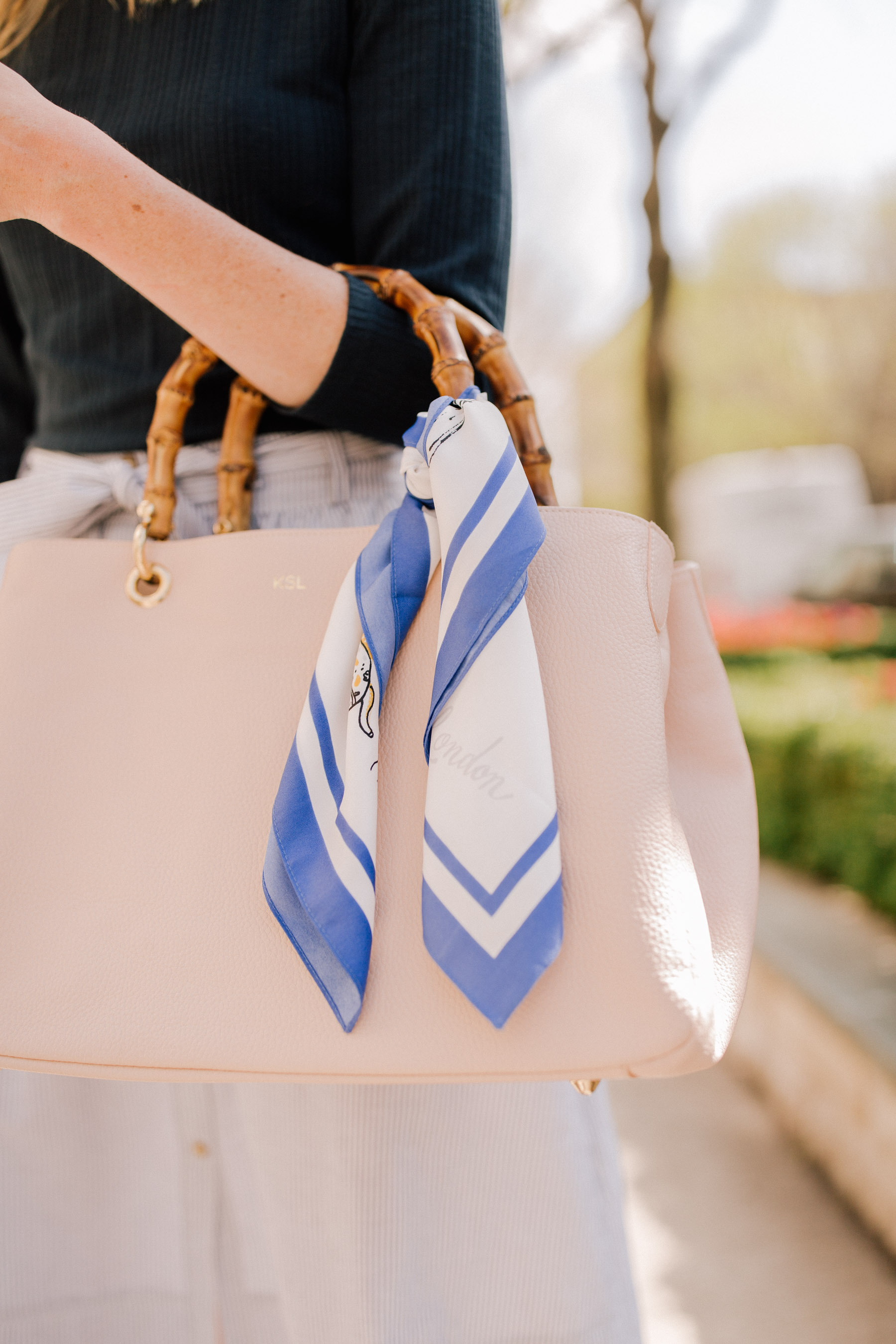 how to tie a scarf on a purse