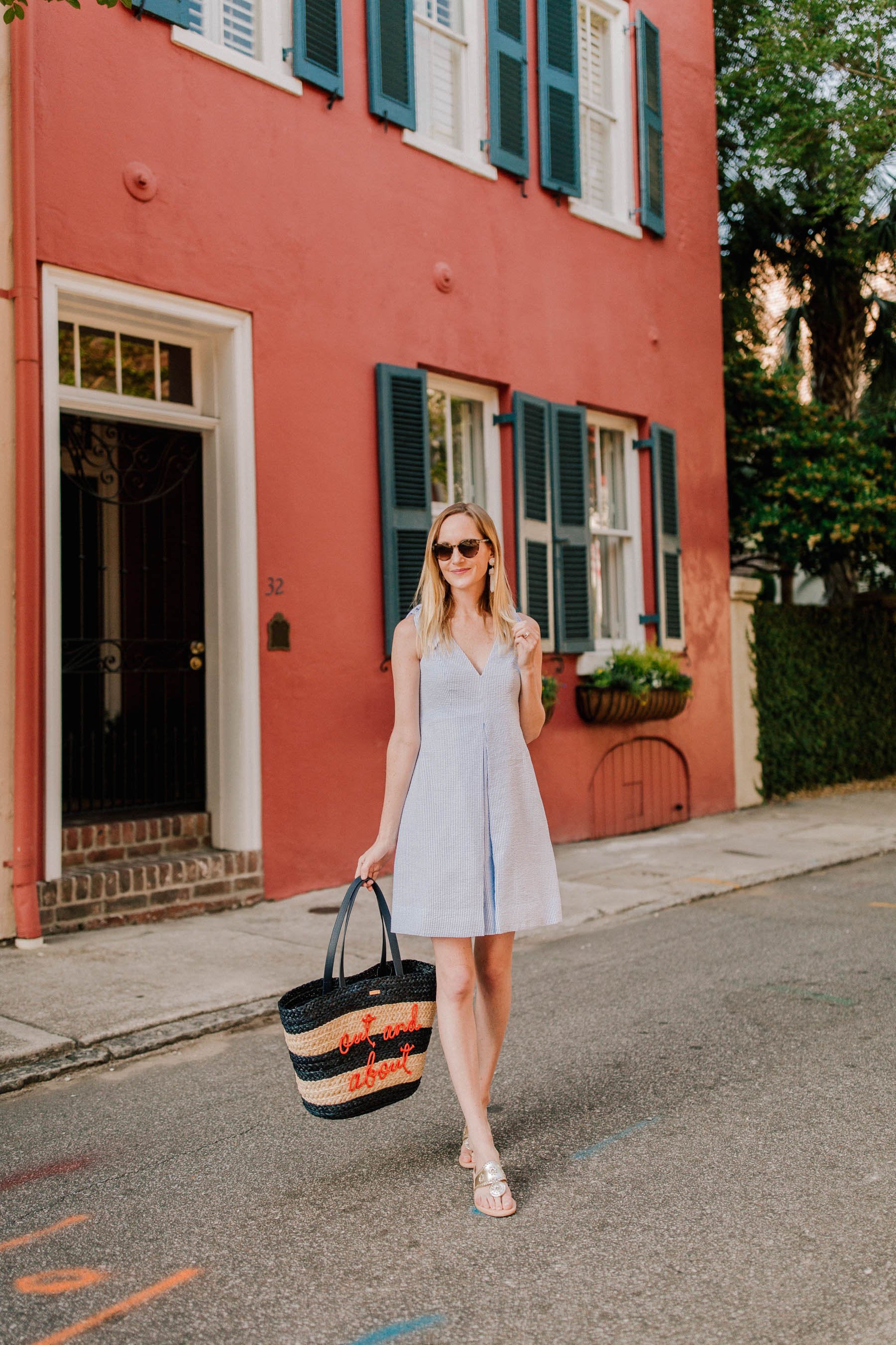 Stress Free Preppy Travel Outfit: Kelly in the City
