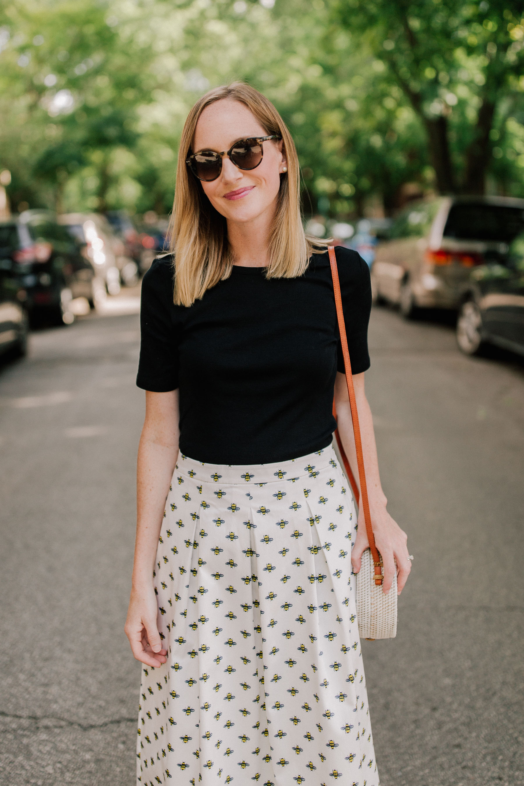 Bee Skirt(Also available at Boden.) / Perfect Tee / woven bag - Kelly in the City