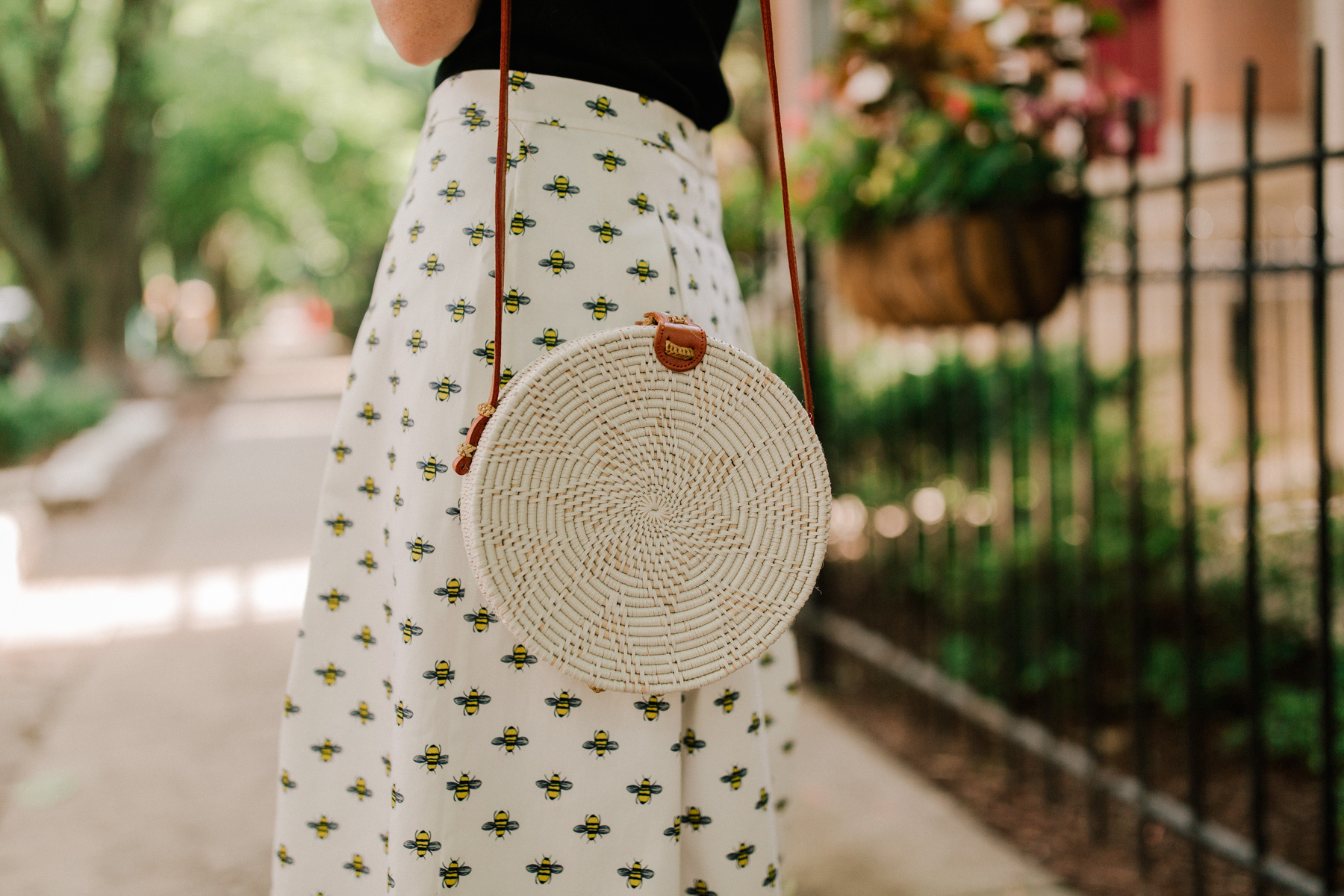 Bee Skirt(Also available at Boden.) / woven bag - Kelly in the City