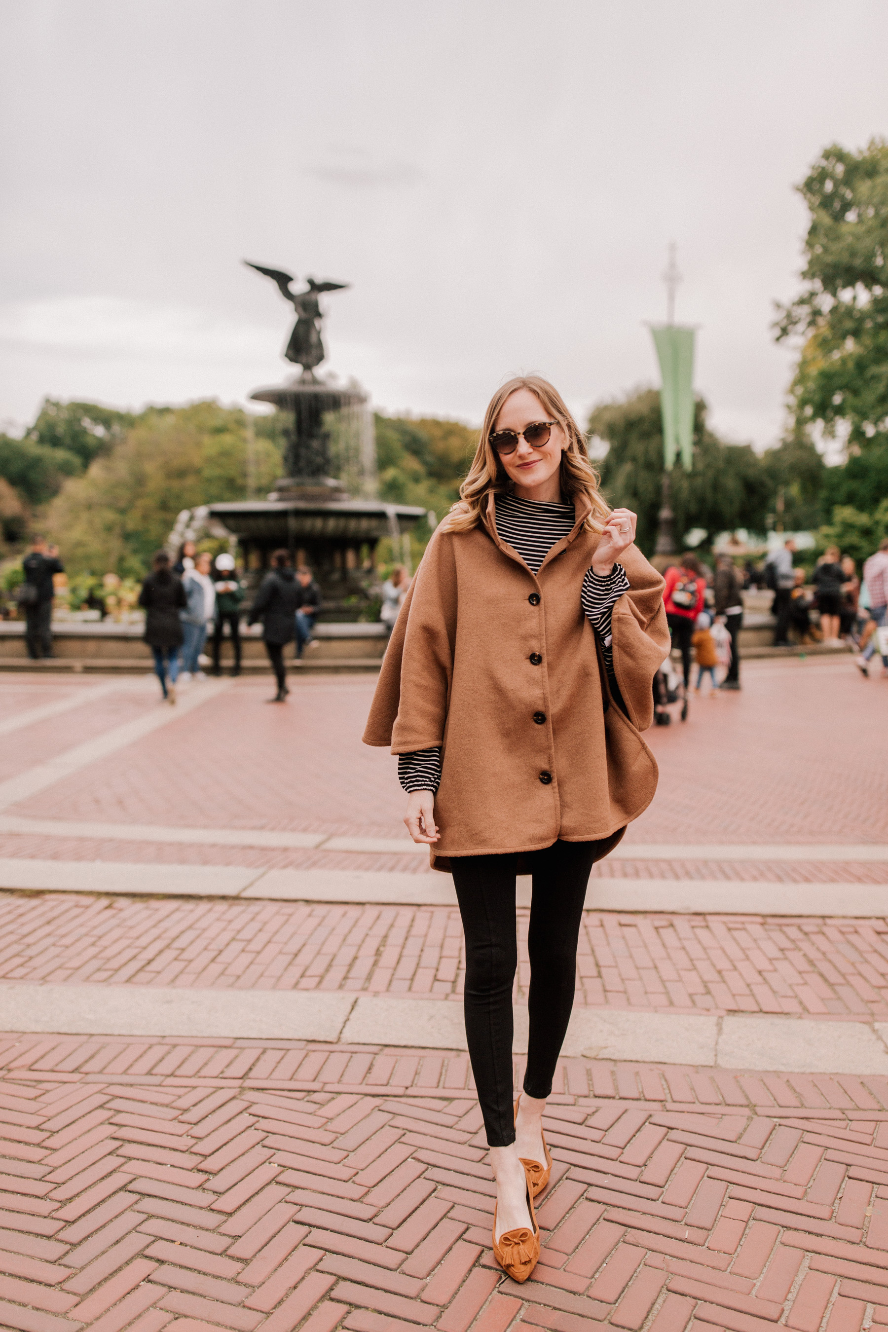 Ann Taylor Poncho Coat - Kelly in the City