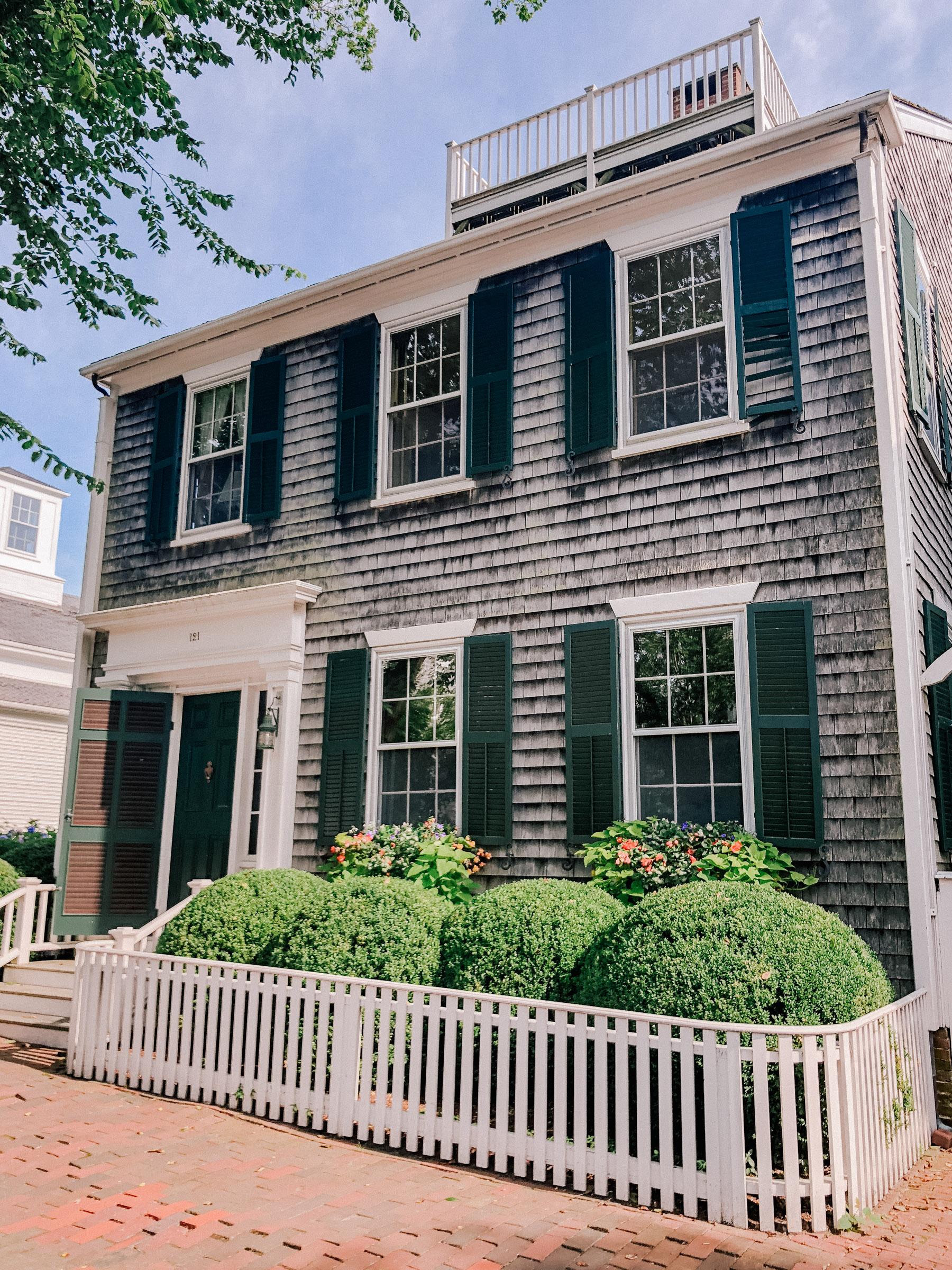Nantucket House Tour by Kelly Larkin