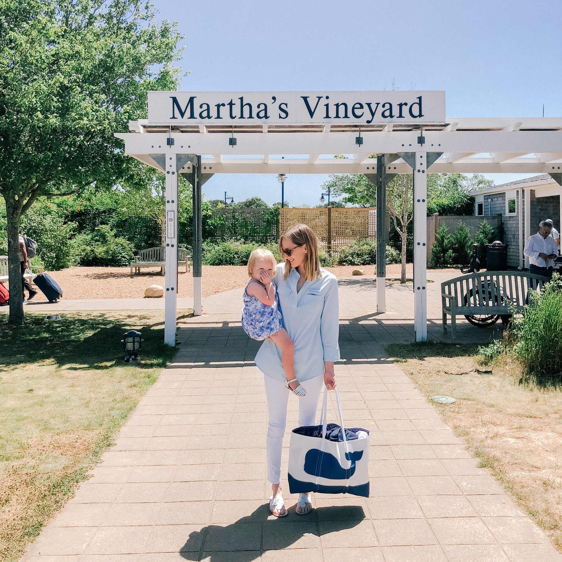 Martha's Vineyard - Kelly and Emma