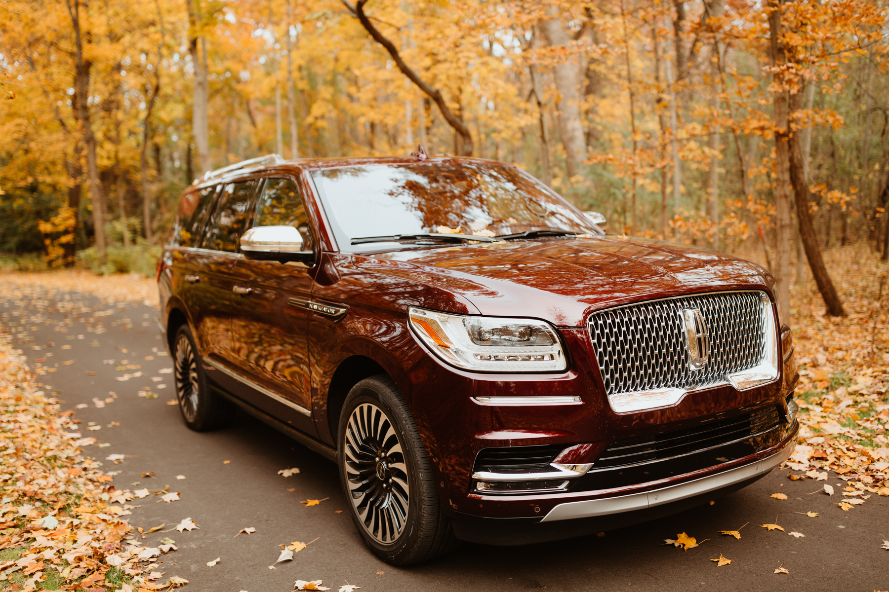 Lincoln Navigator - Kelly in the City