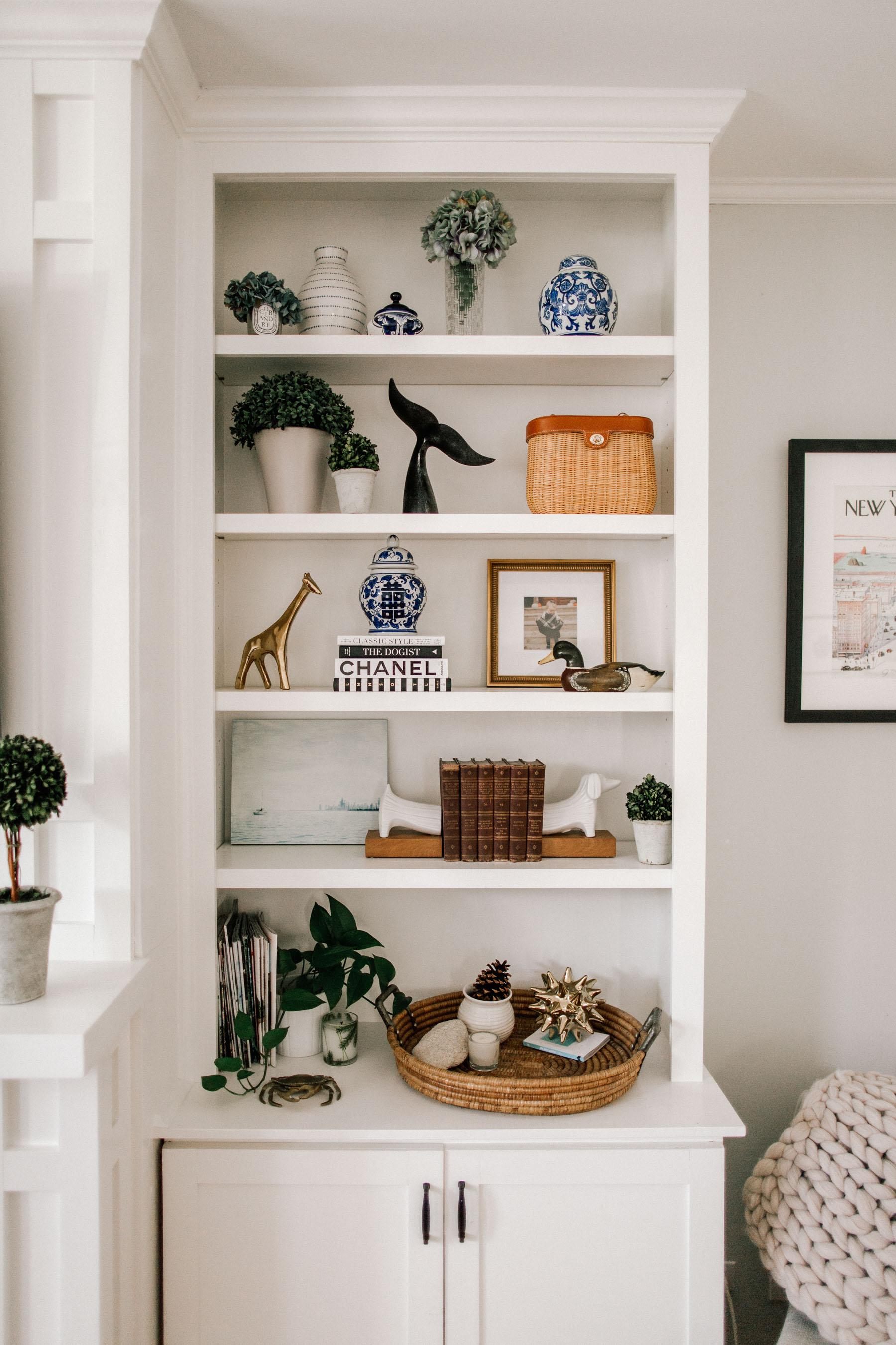 How to Style Preppy Bookshelves