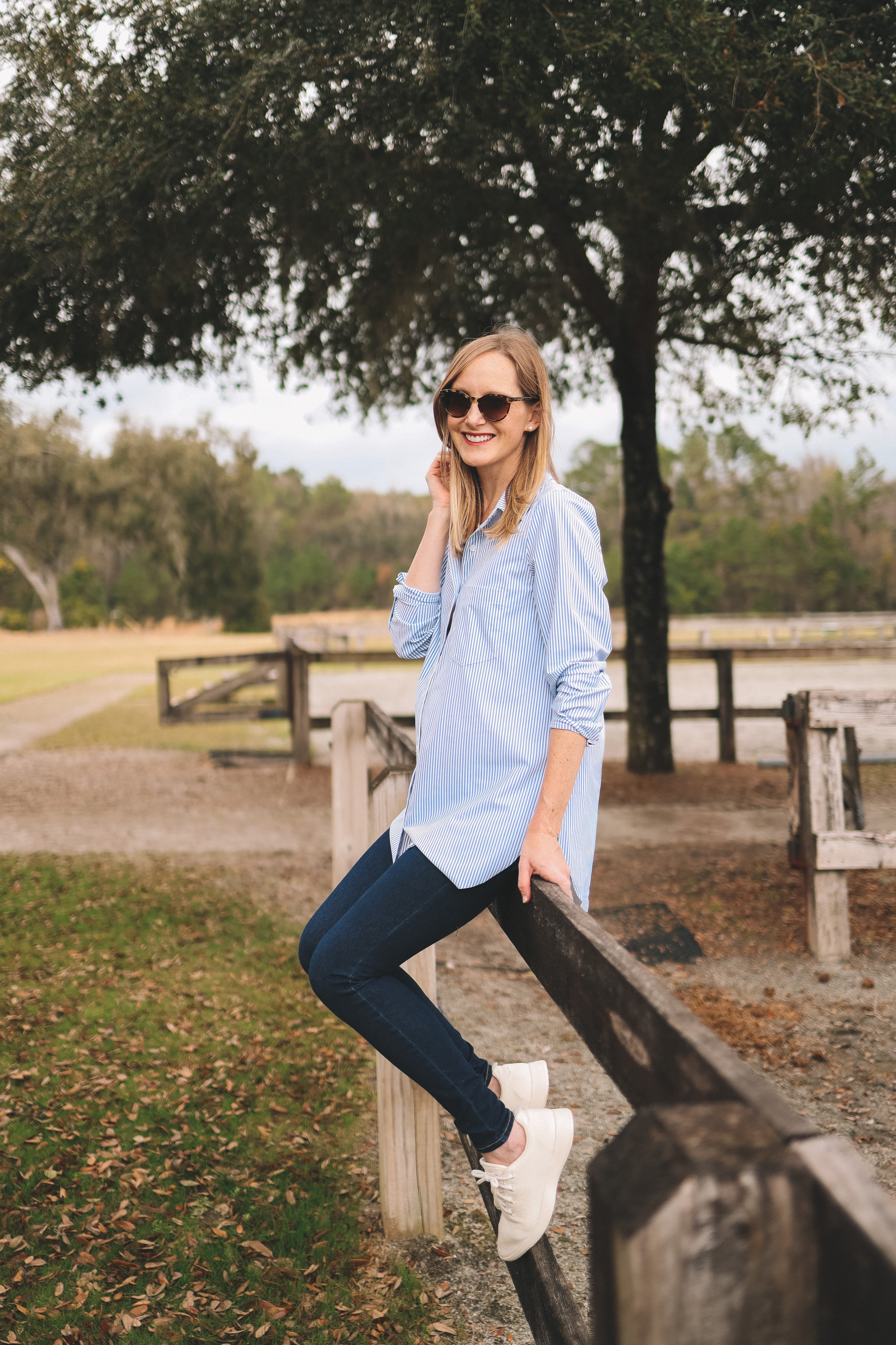 Kelly's outfit: No-Wrinkle LYSSÉ Schiffer Shirt (On sale here for only $27! Great for travel! Full review here) / Allbirds Machine-Washable Sneakers / Old Navy Rockstar Jeans (Maternity version here. SWEAR by these!)