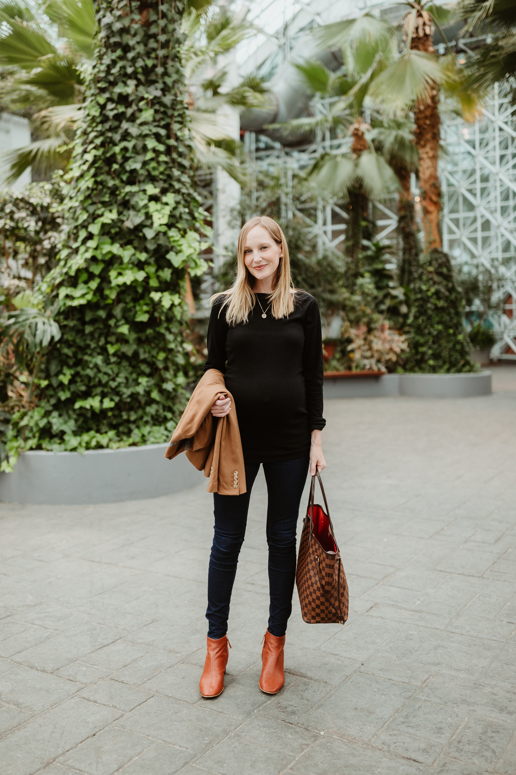 Everlane Day Boot & LV bag and black outfit
