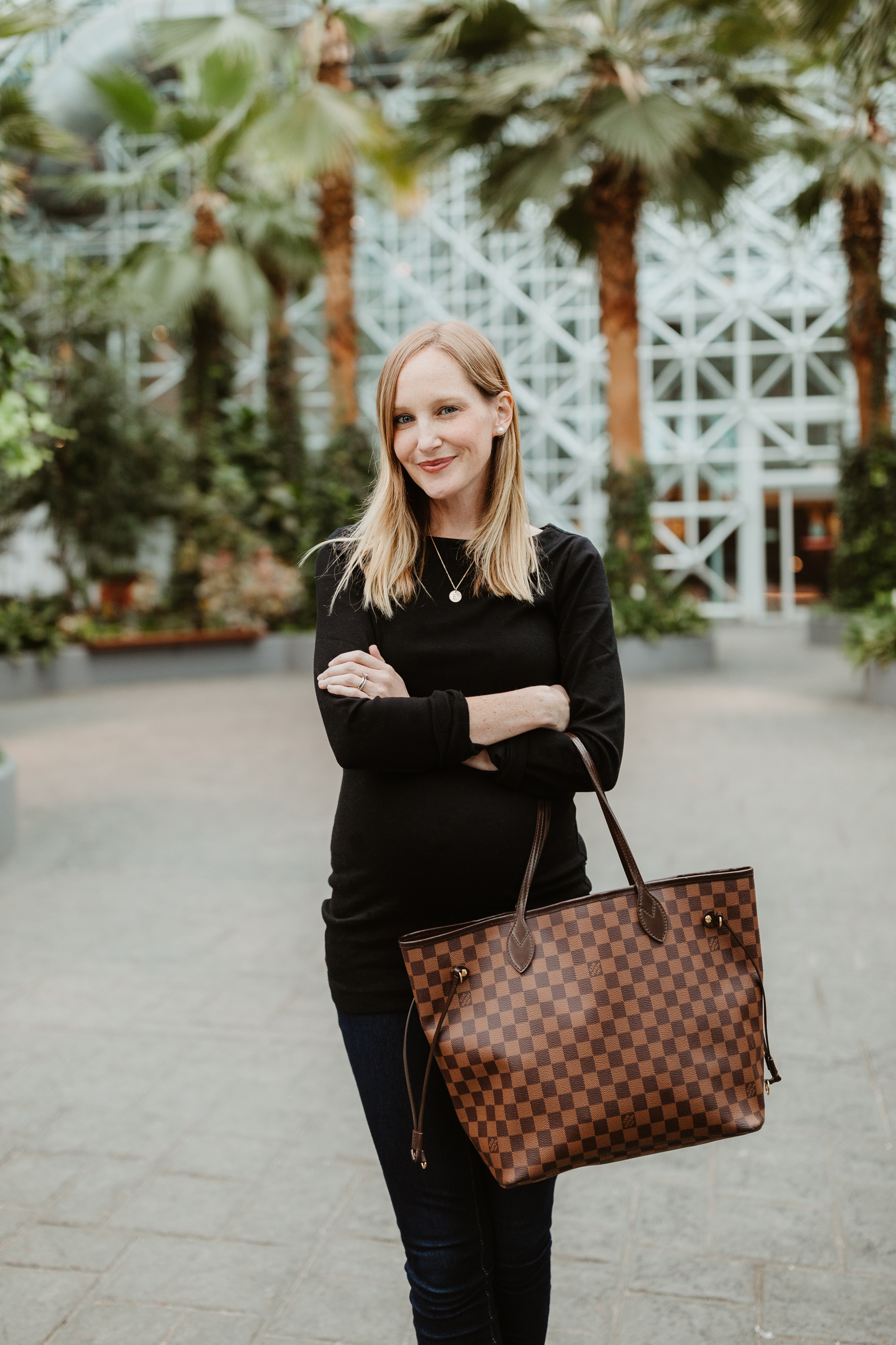 """Kelly's Outfit: Everlane Day Boot c/o / Gold Initial Necklace /Softest """"Modern Boatneck"""" Tee by Gap / Louis Vuitton MM Neverfull Tote / Old Navy Rockstar Jeans"""