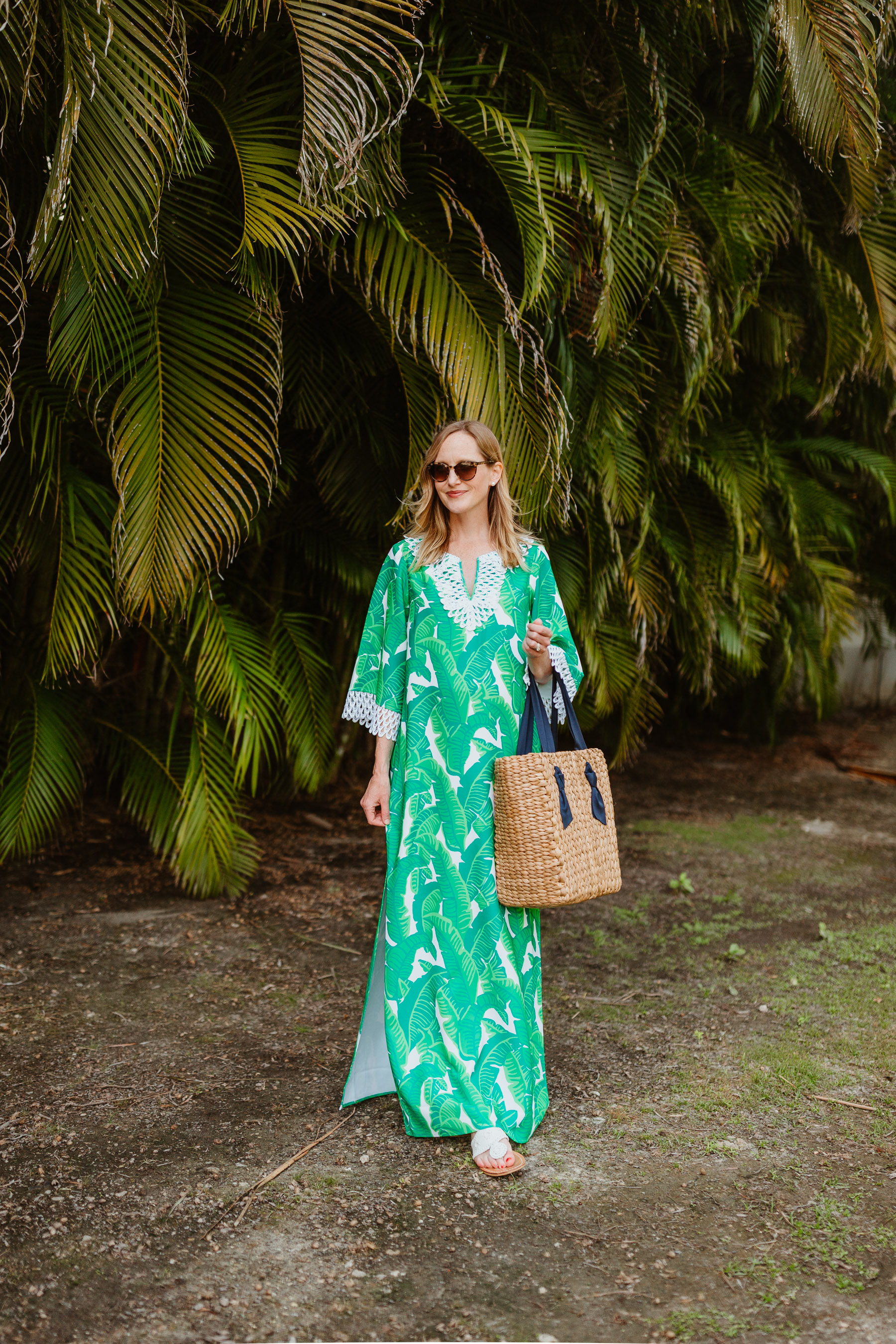 Kelly's outfit: Sail to Sable Banana Leaf Palm Dress / Jack Rogers / Pamela Munson Woven Tote