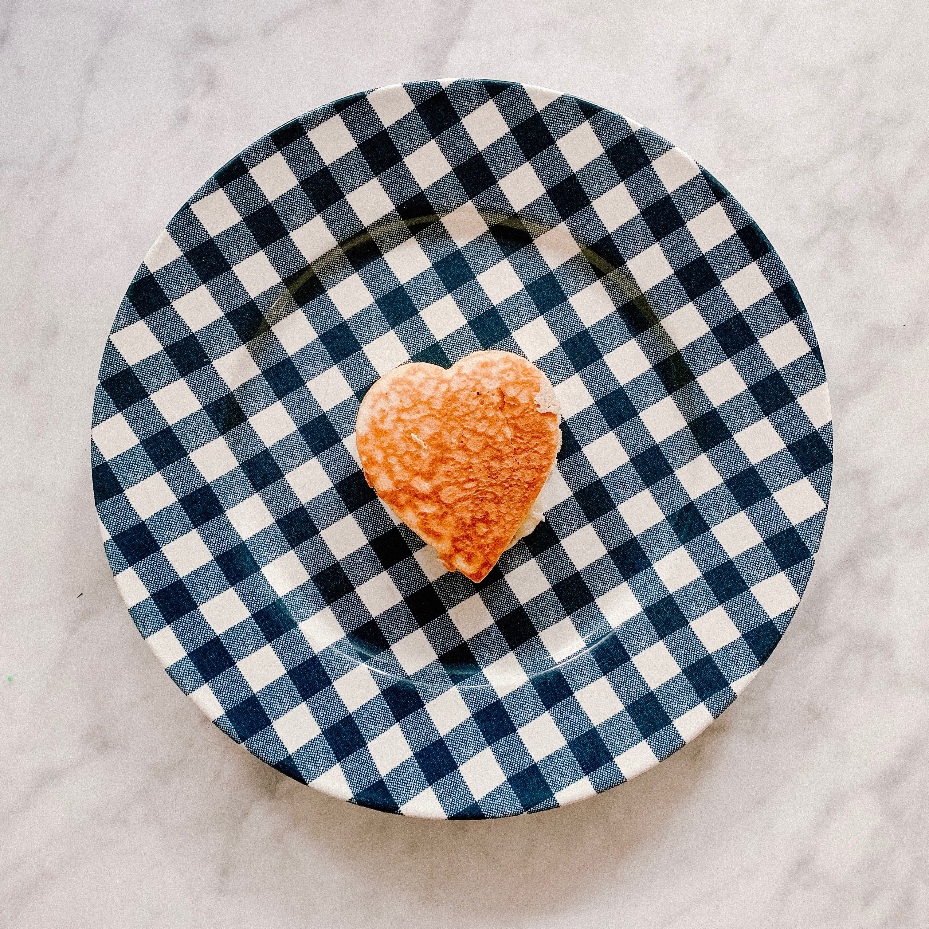 Heart Pancake and Gingham Plate