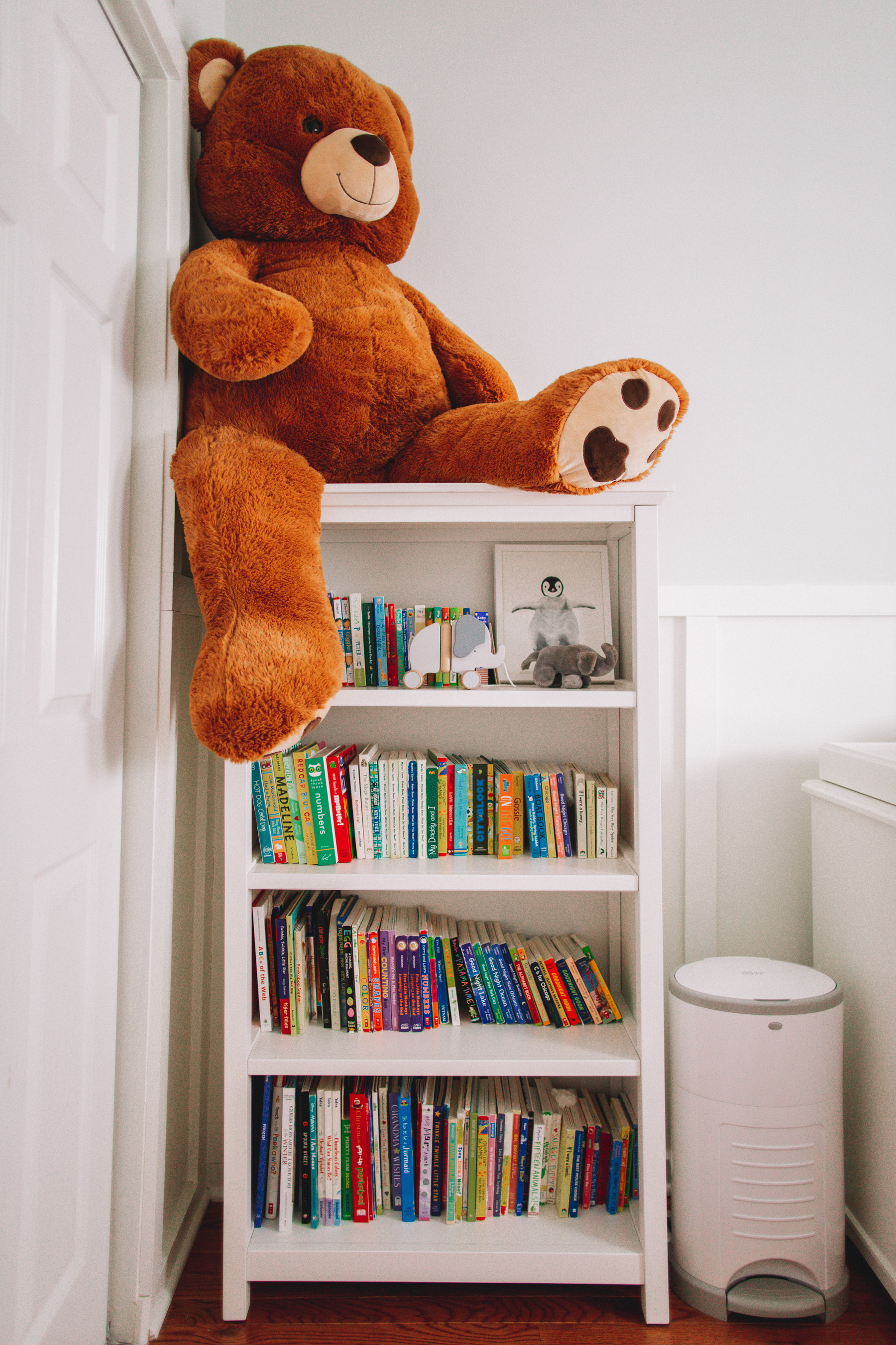 How to KonMari Kids' Rooms - books