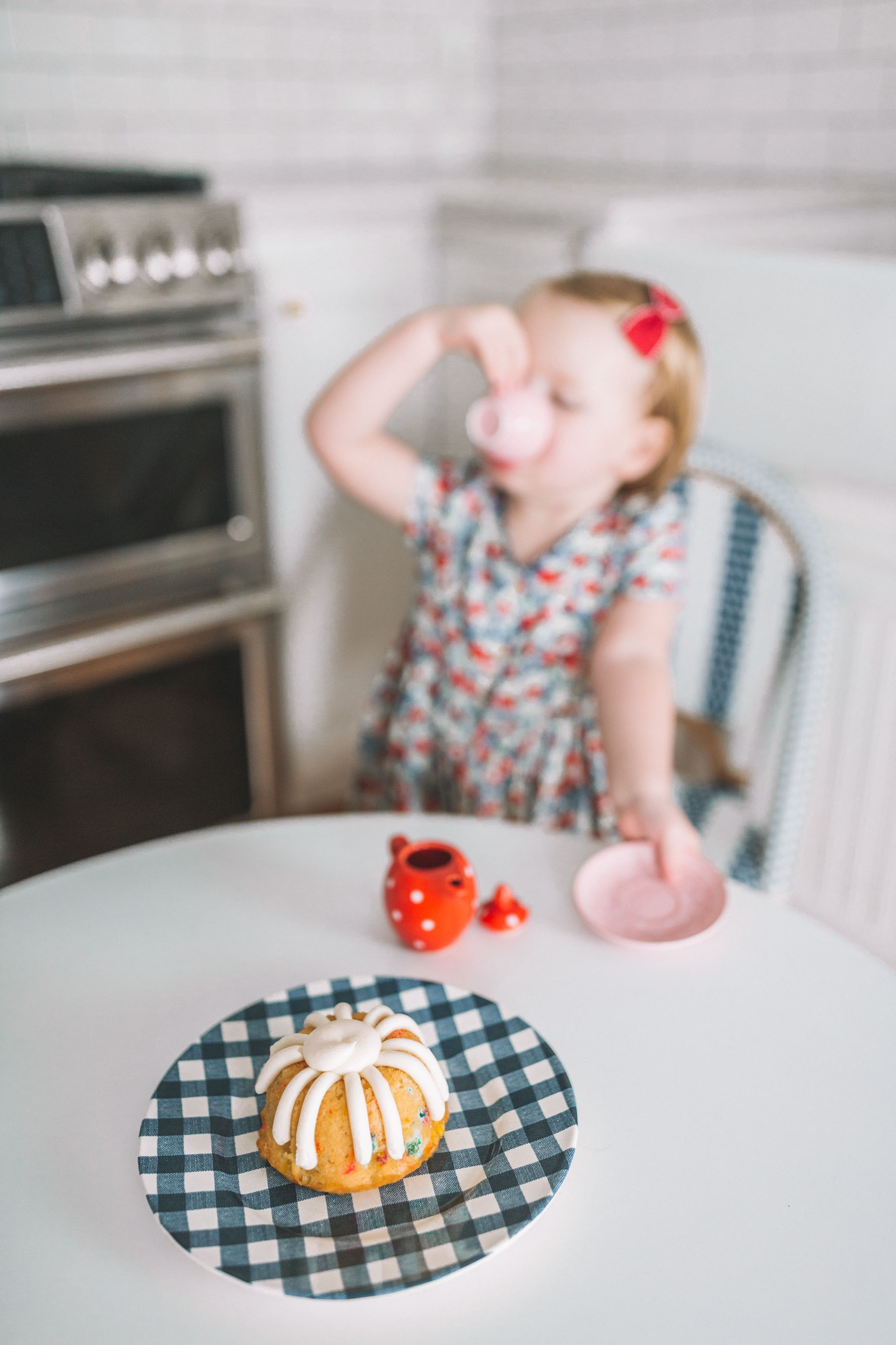 Bundt cake and gingham plate