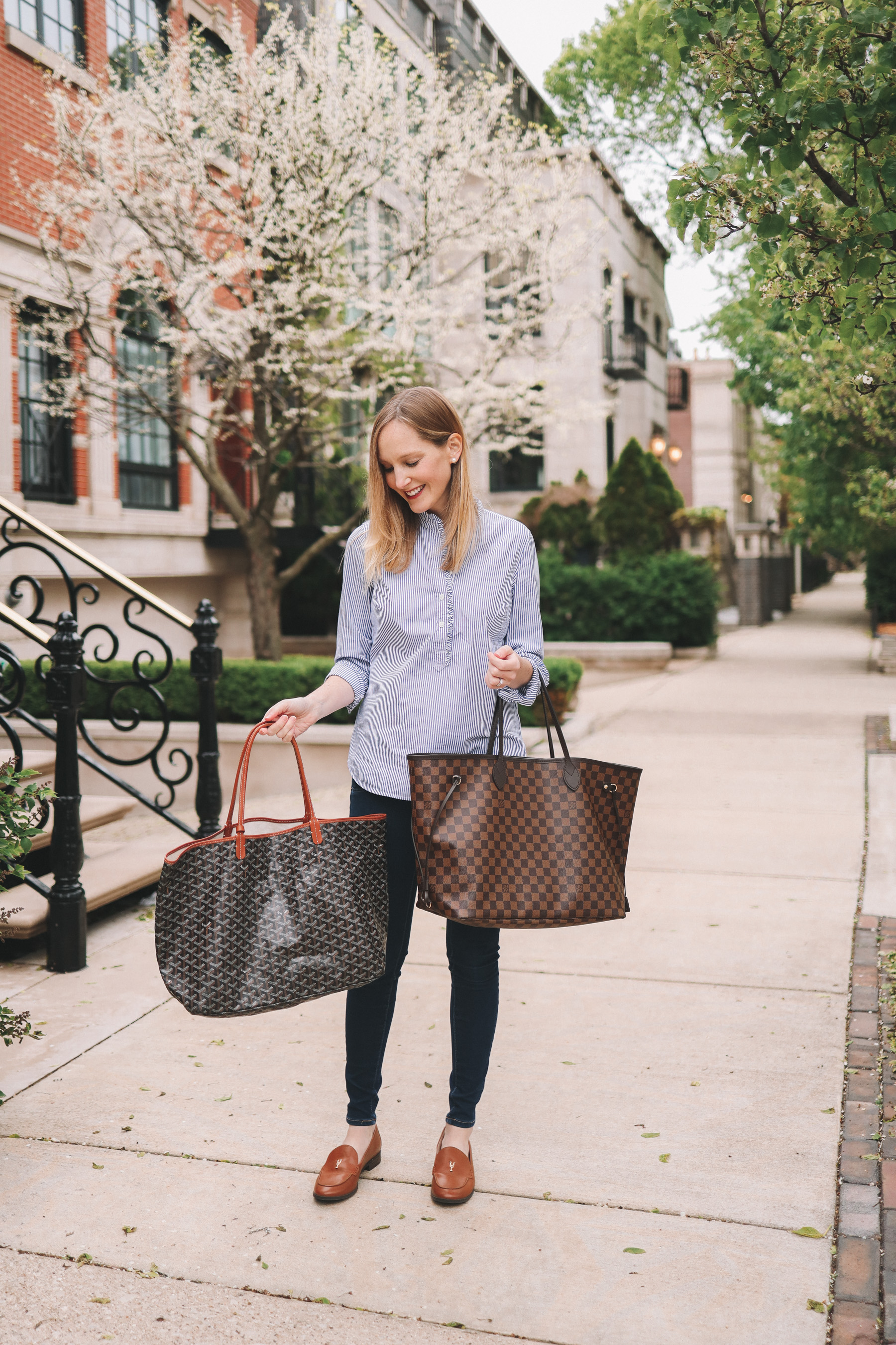 Kelly Larkin is sharing a Louis Vuitton Neverfull vs Goyard Saint Louis Totes review