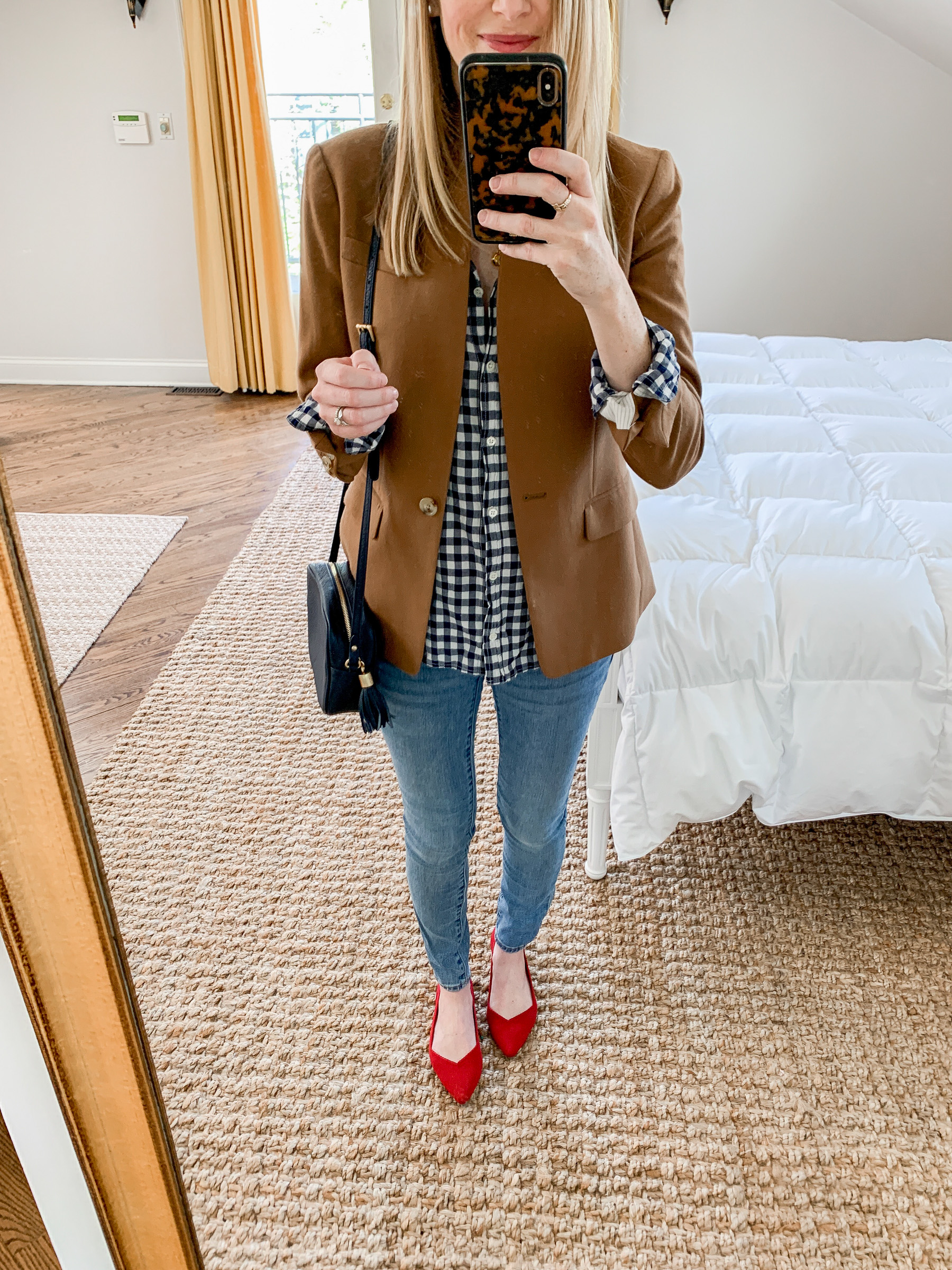 Kelly is sharing some Postpartum Outfits