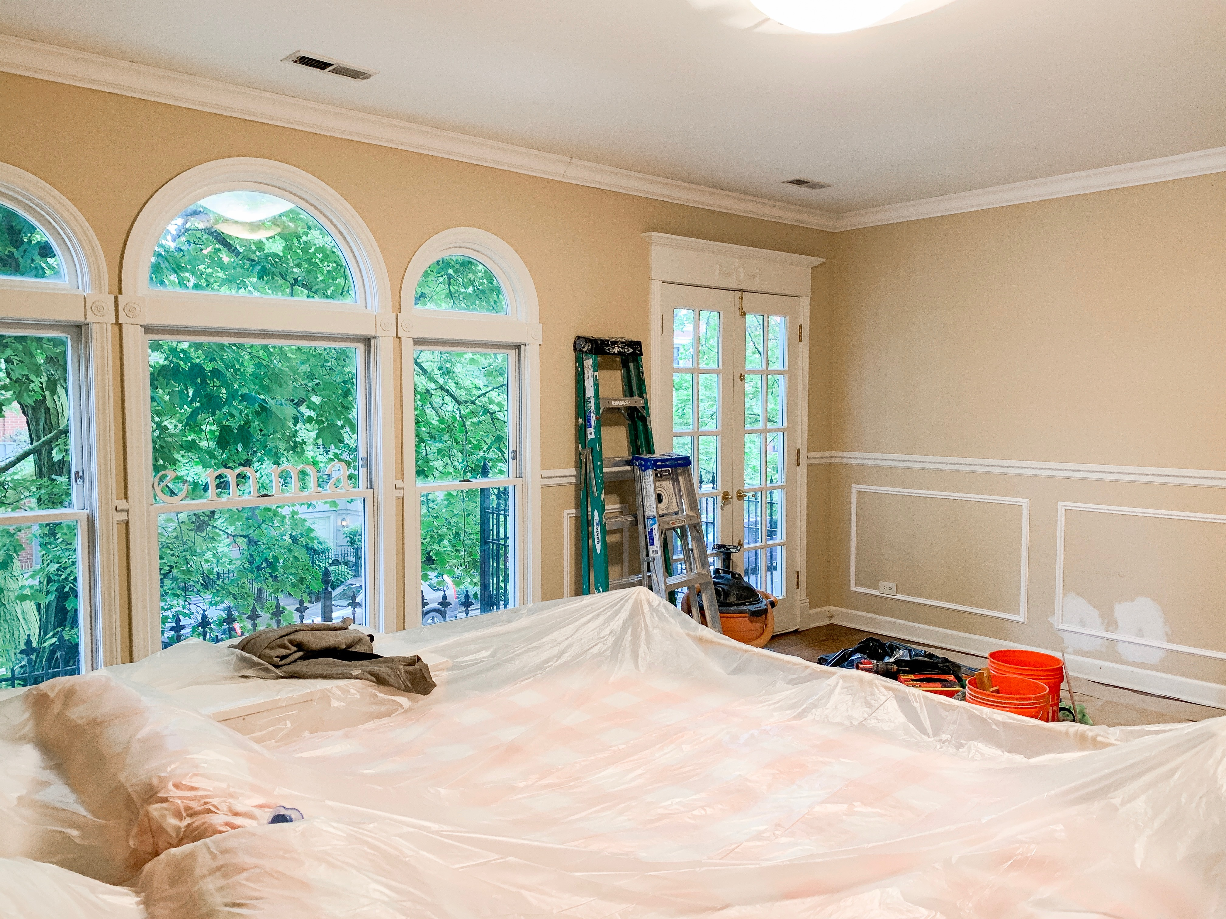 Installation: wainscoting, crown molding and hallway ceiling