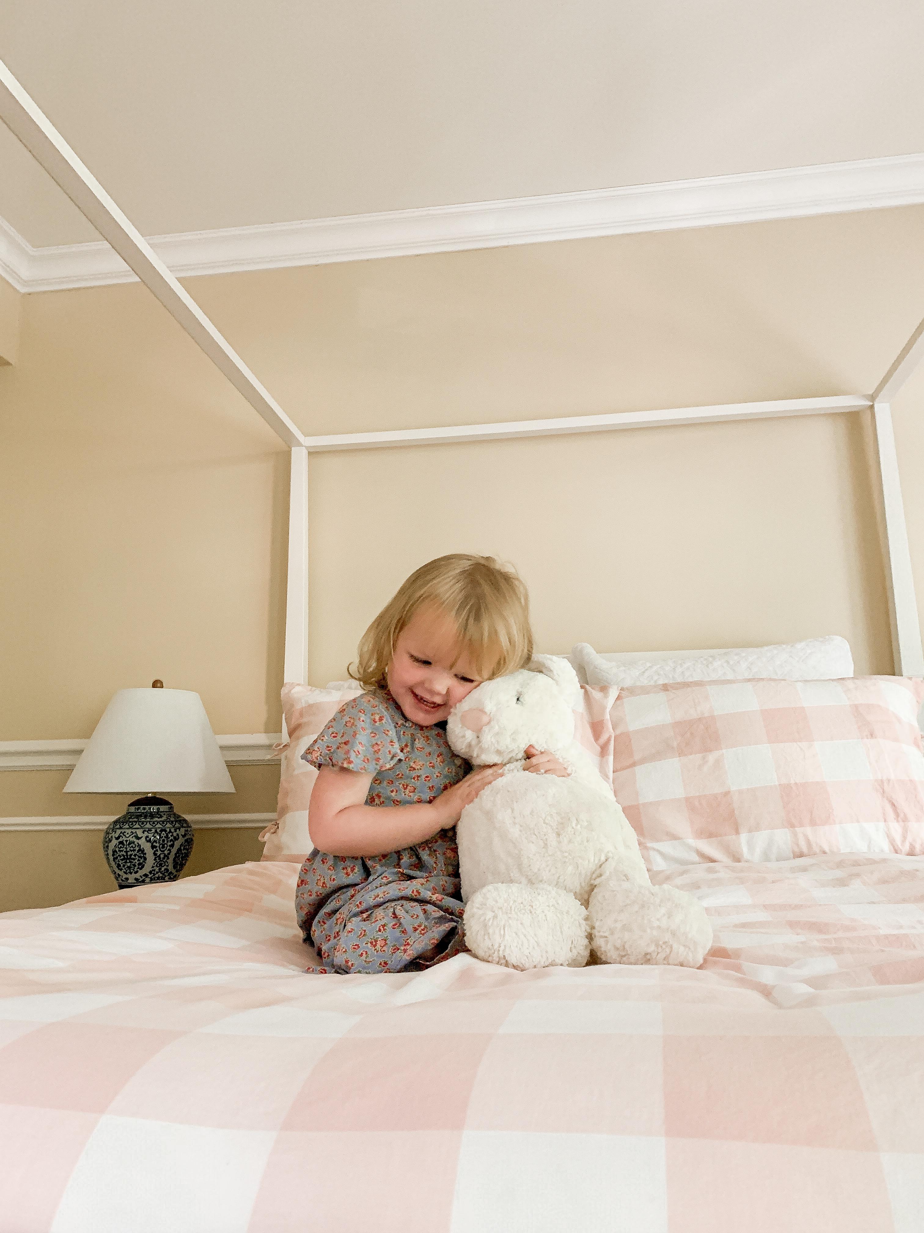 Preppy Little Girls' Room Ideas - Emma's room