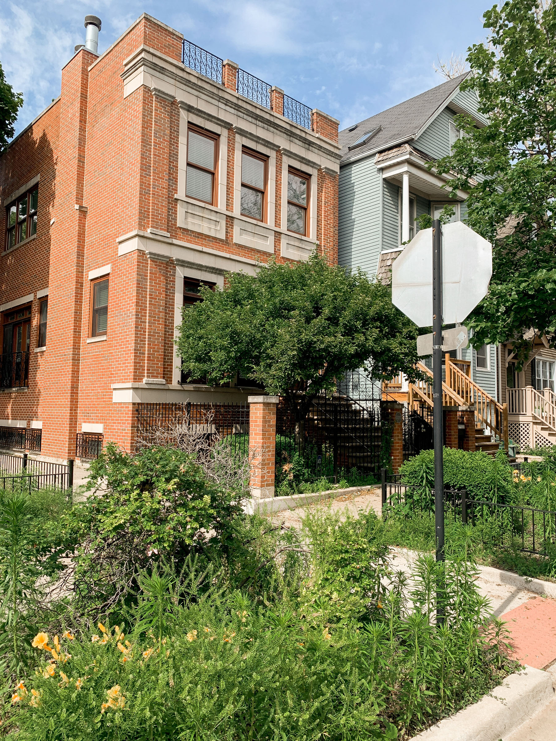 The quaint rowhouse in the best location