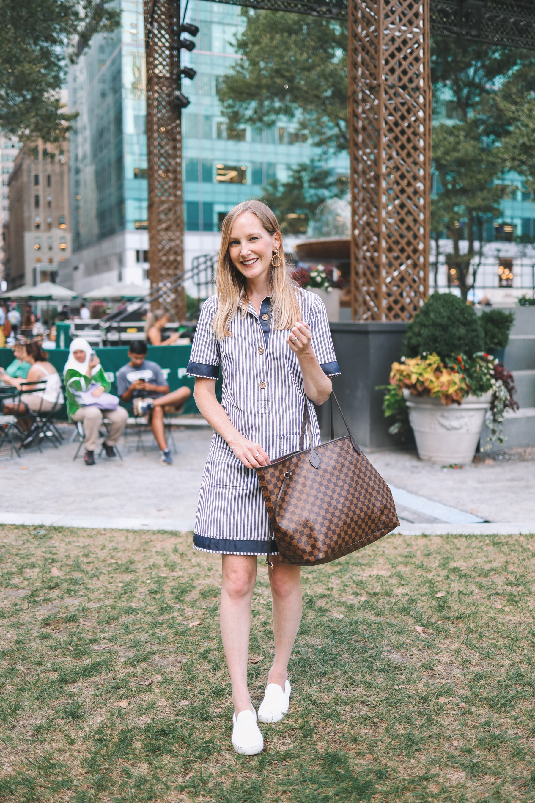 Kelly feeling happy in her easy shirtdress