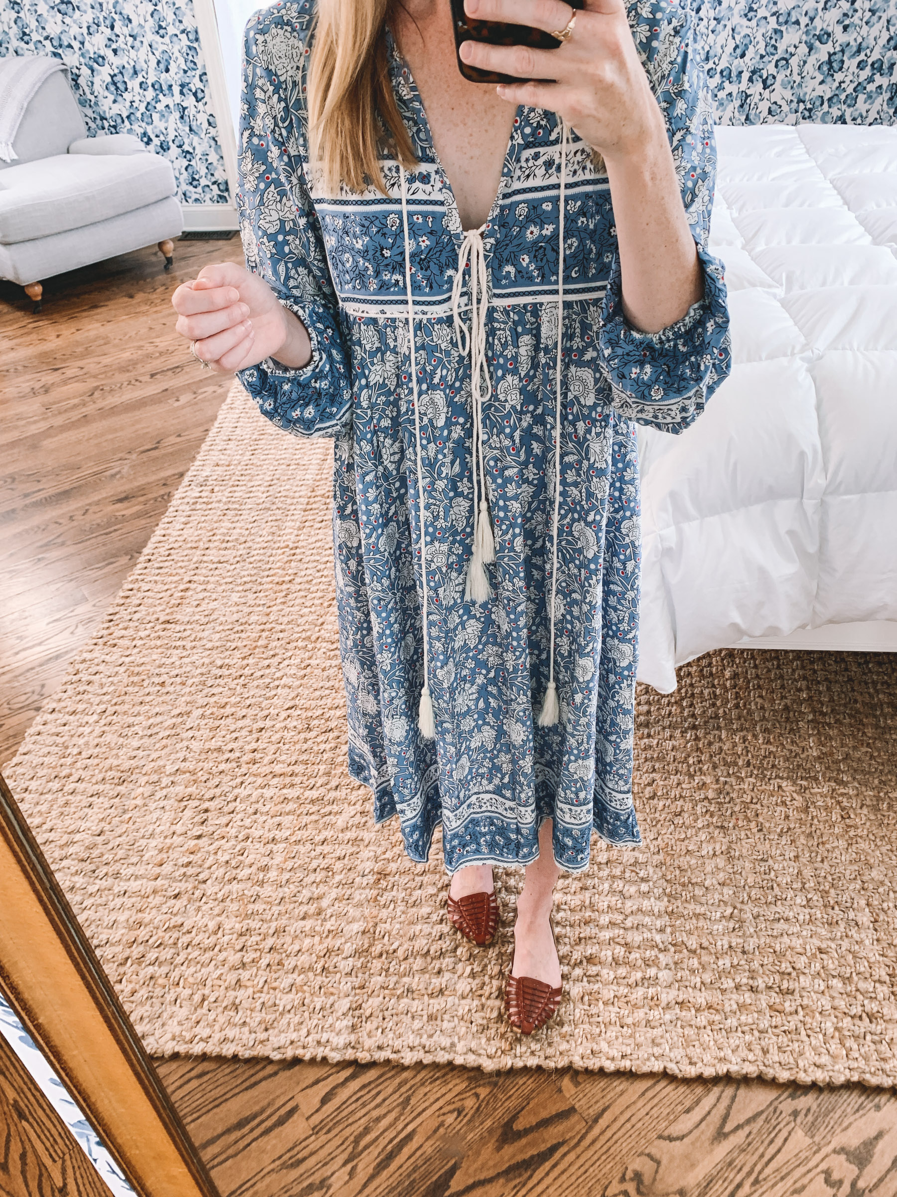 Kelly is featuring the $28 Amazon Vivimos Mumu