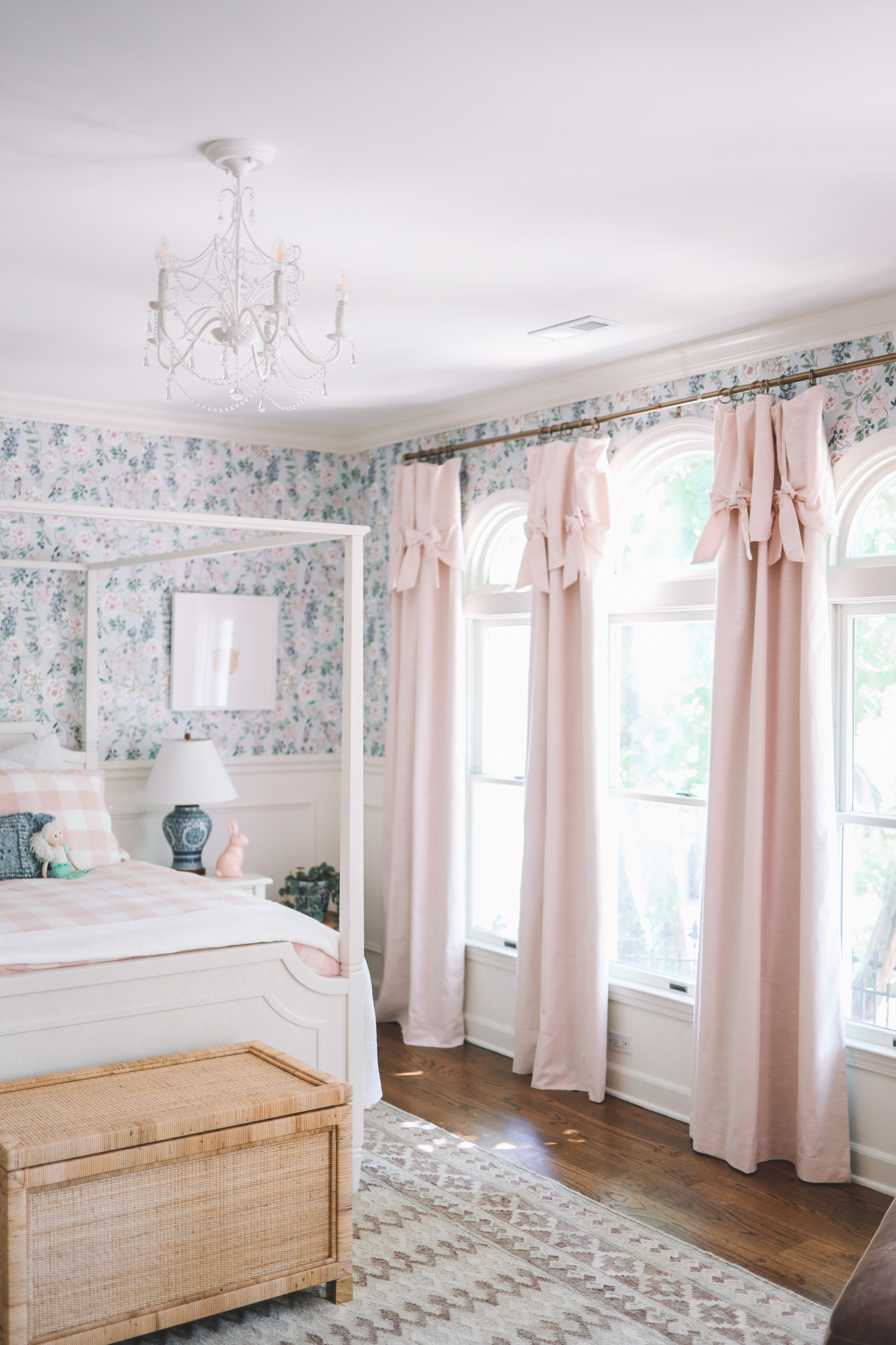 Emma's Room Details