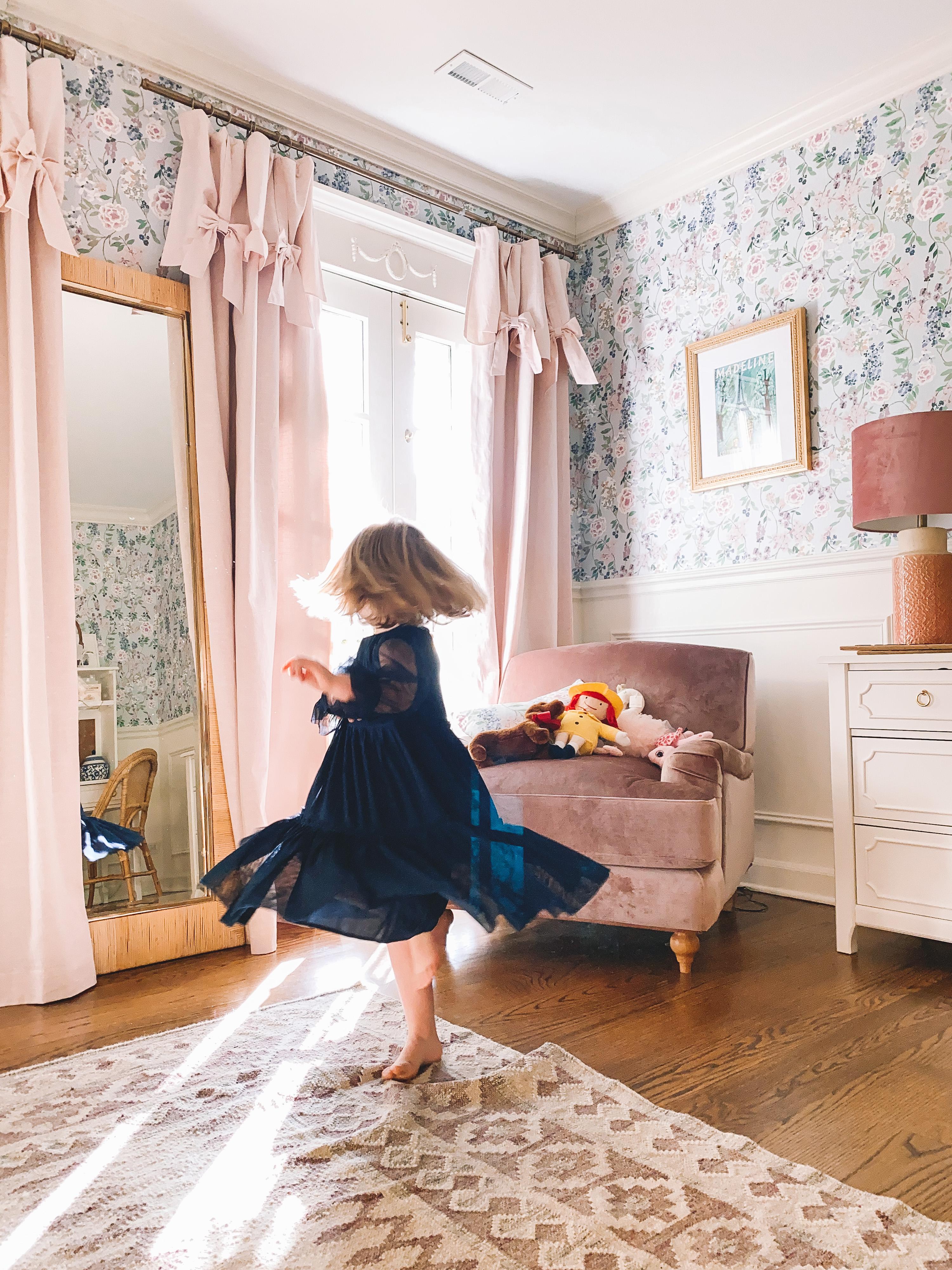 Emma's room details.