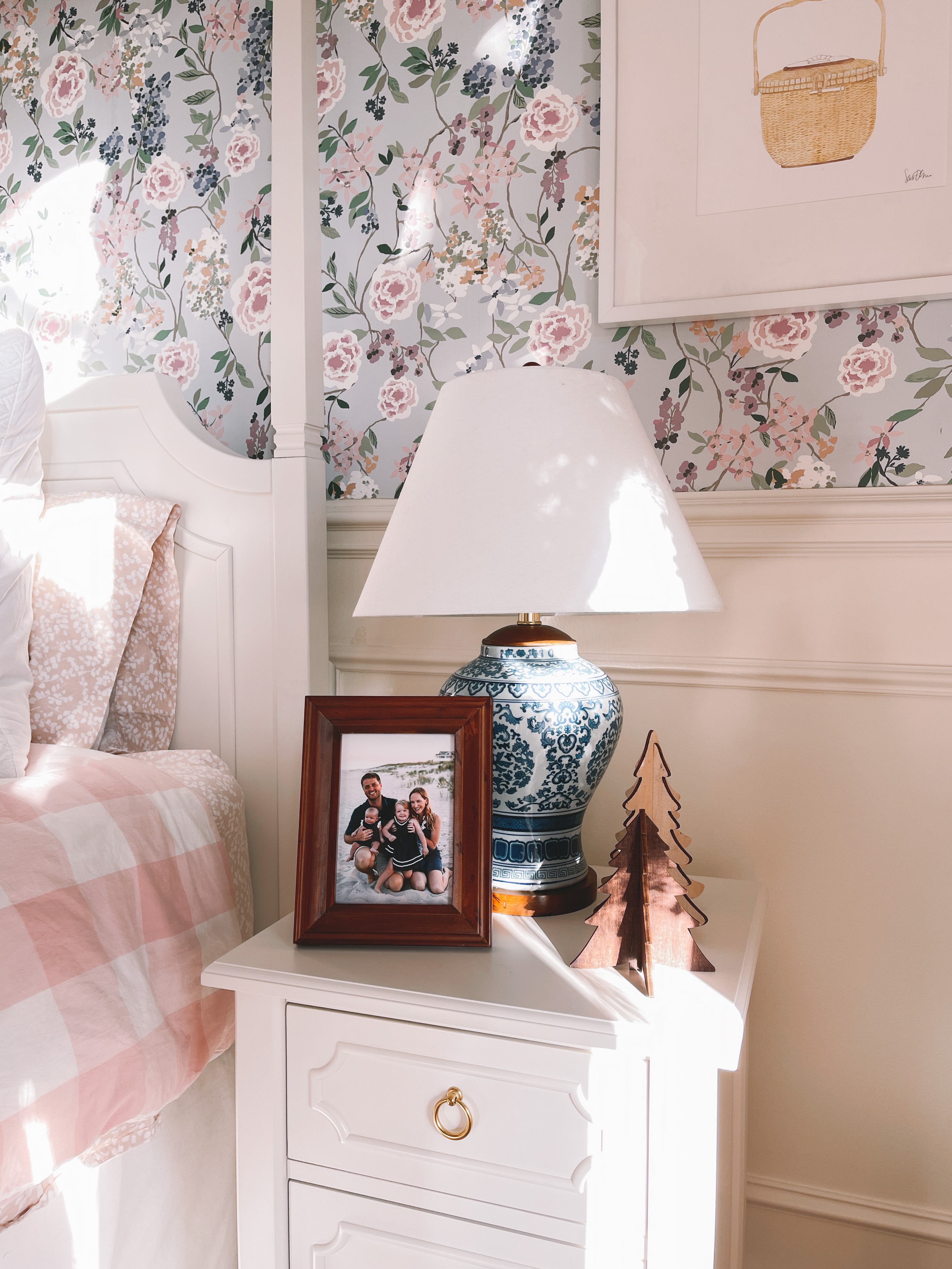 Holiday Decor: Emma's Room