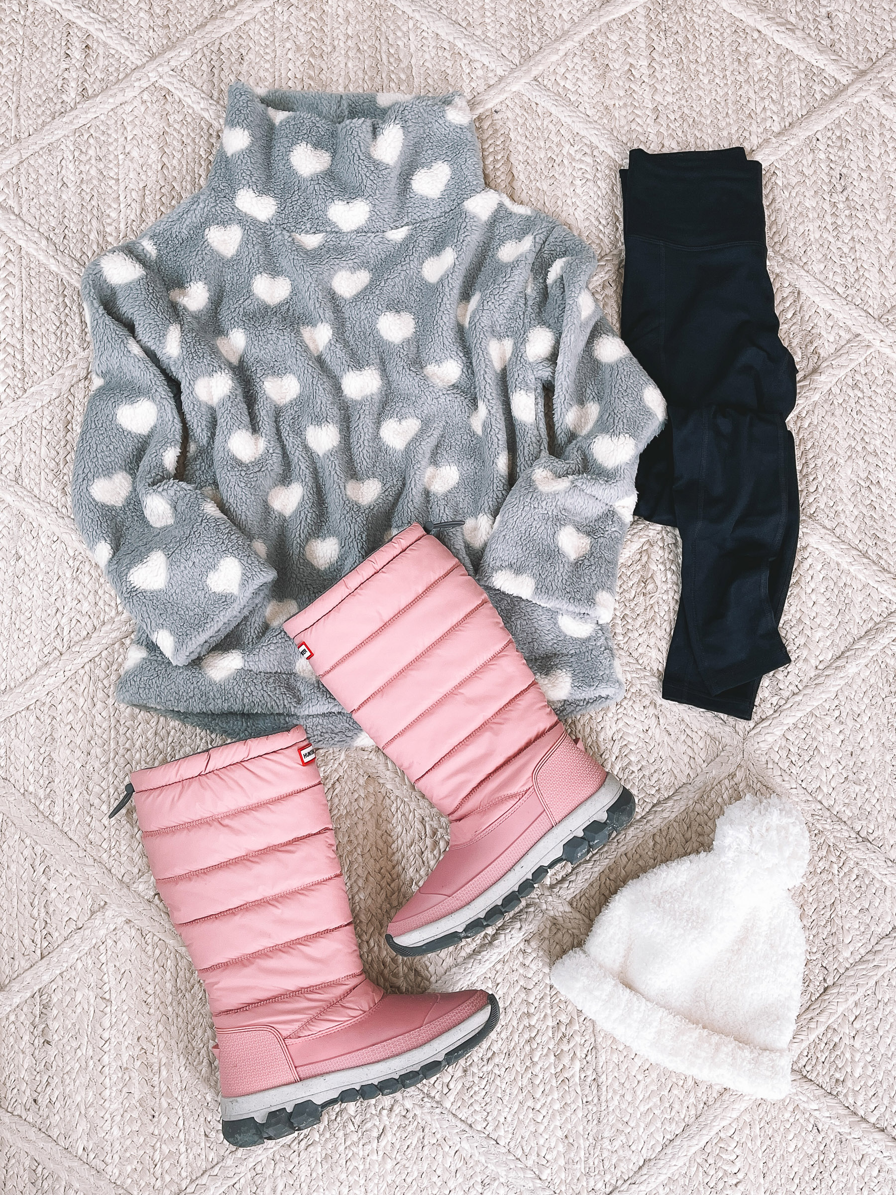 Hunter Insulated Boots   10 Preppy Valentines Day Outfits