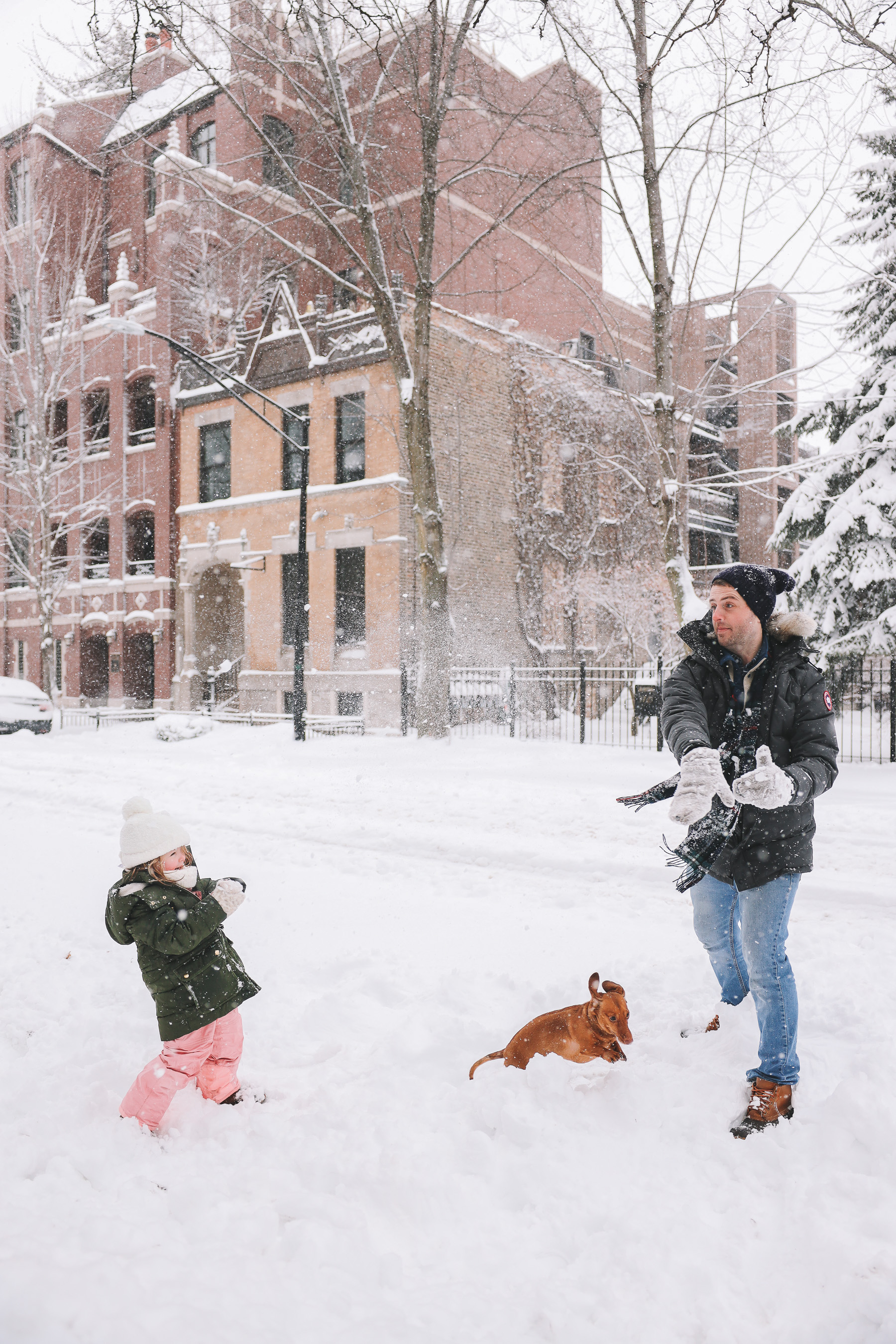 family playing snow chicago | My new lens