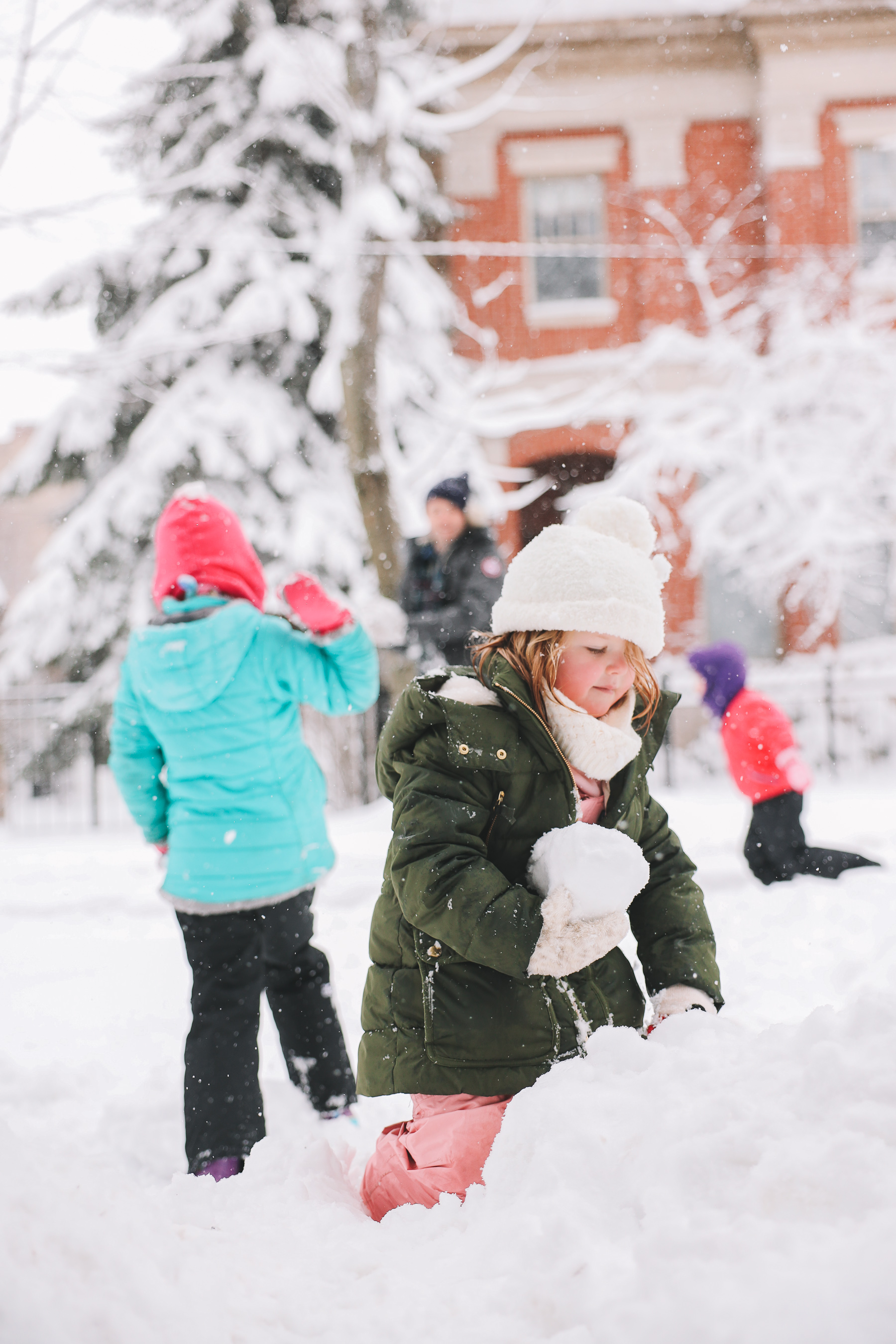 kids playing with snow | My new lens
