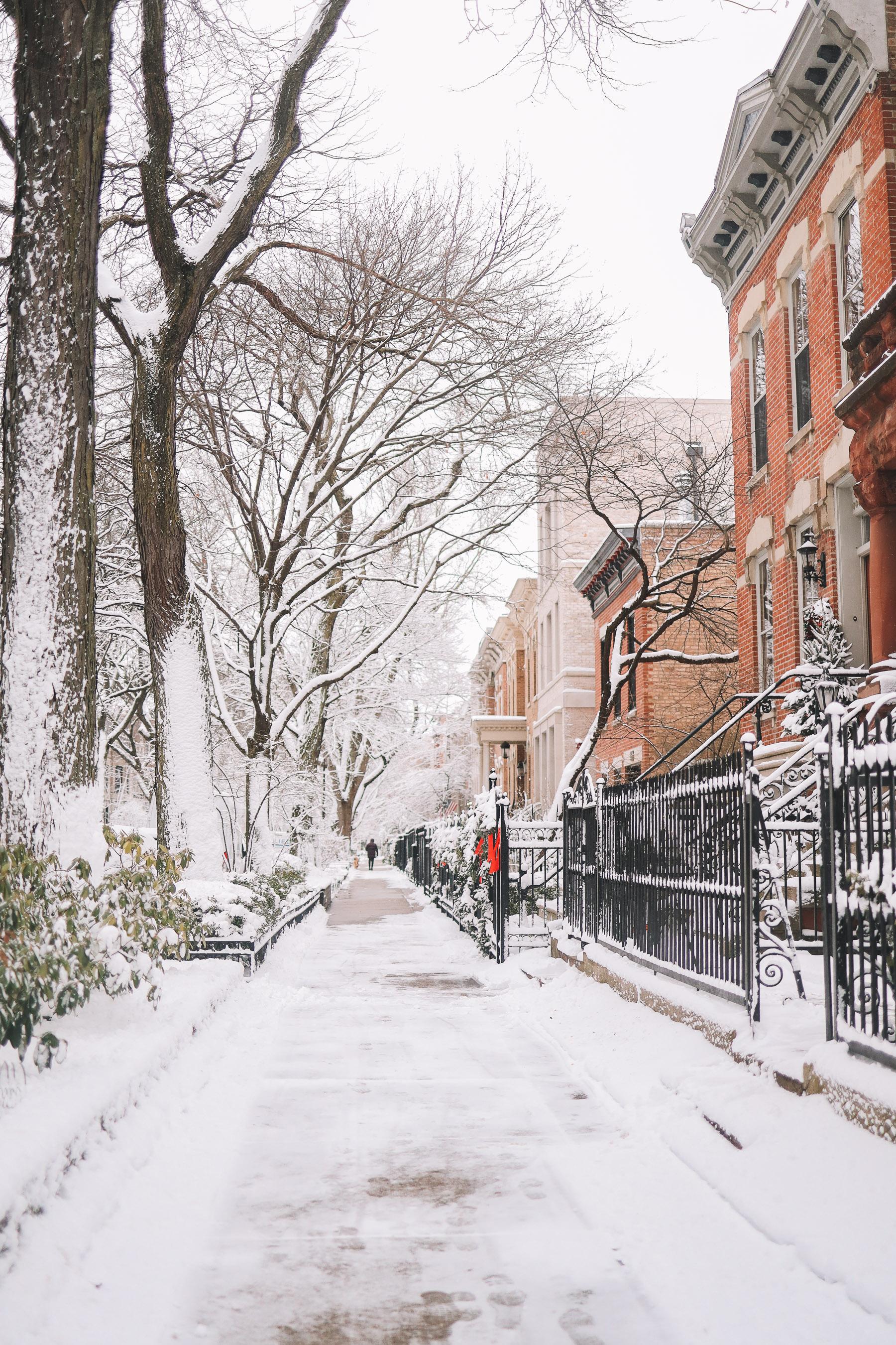 chicago streets winter snow