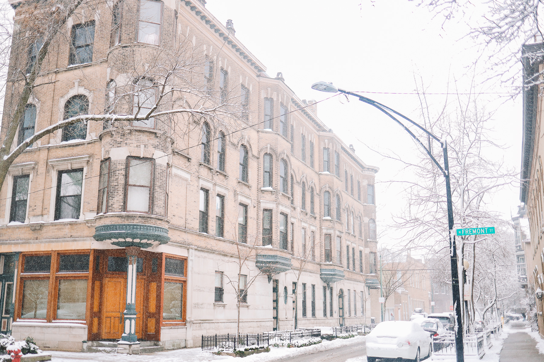 chicago houses and street winter snow