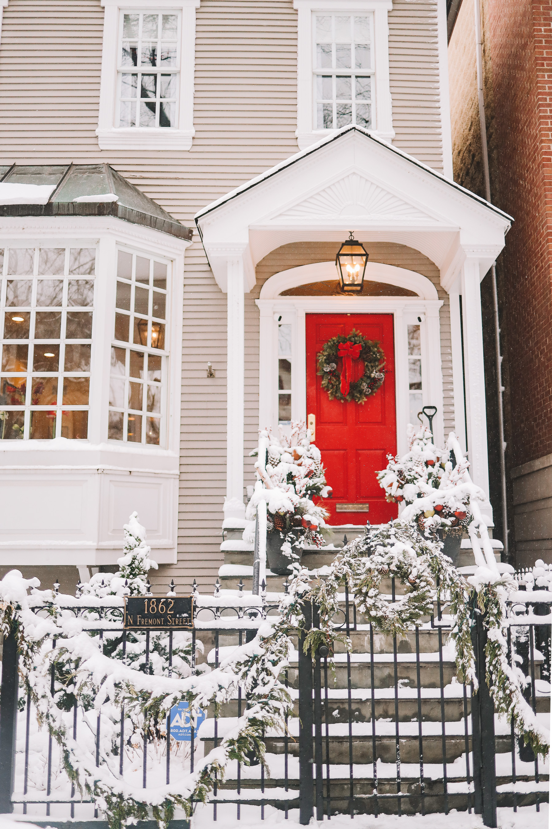 chicago house in winter