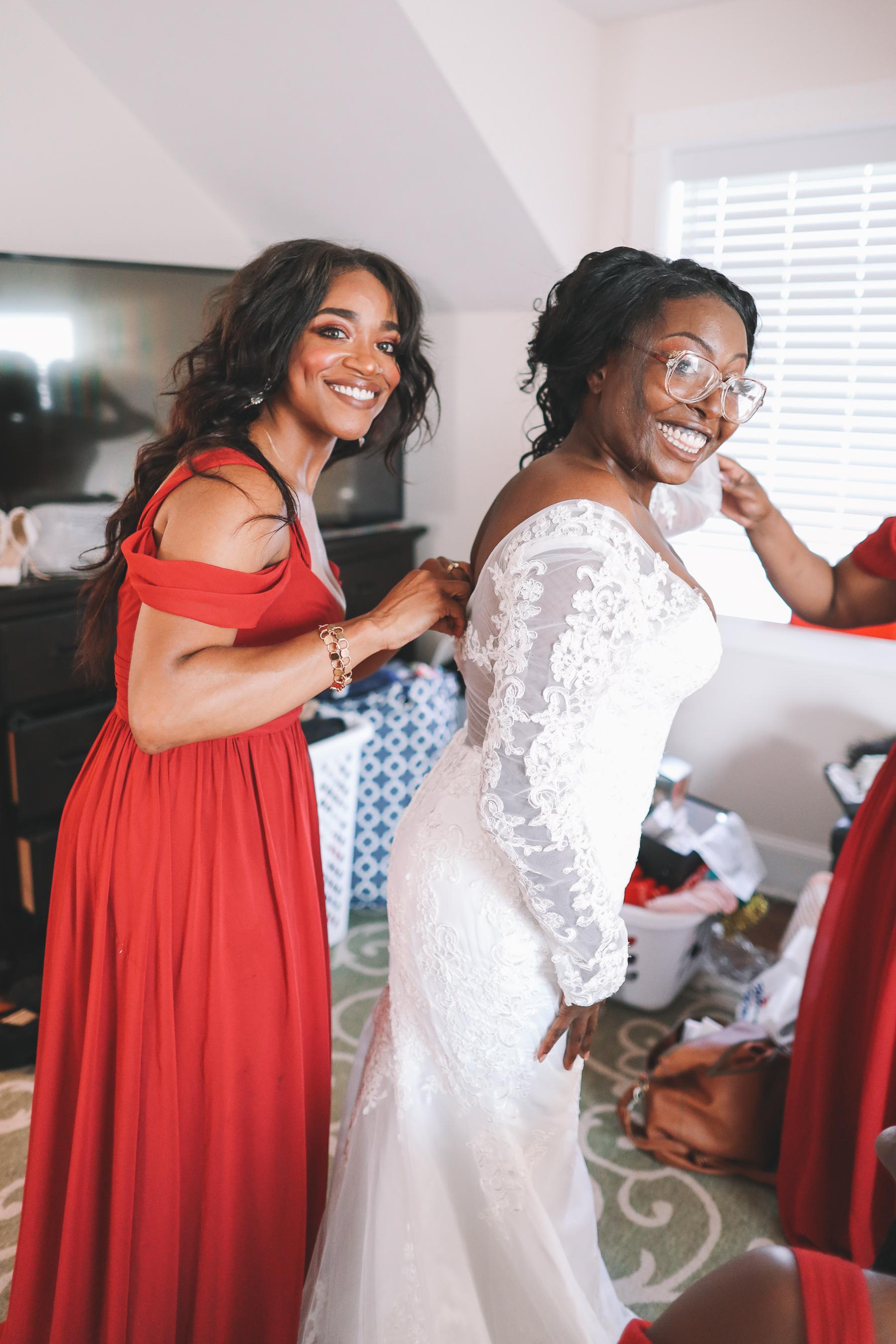 bride prep | Charlie and Shirleys Wedding